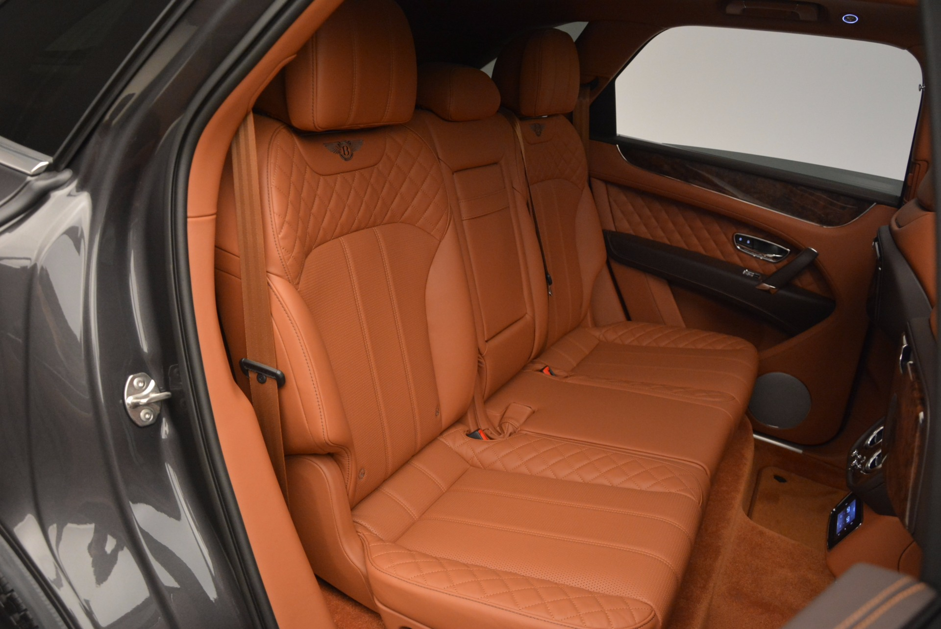 New 2017 Bentley Bentayga  For Sale In Greenwich, CT 852_p46