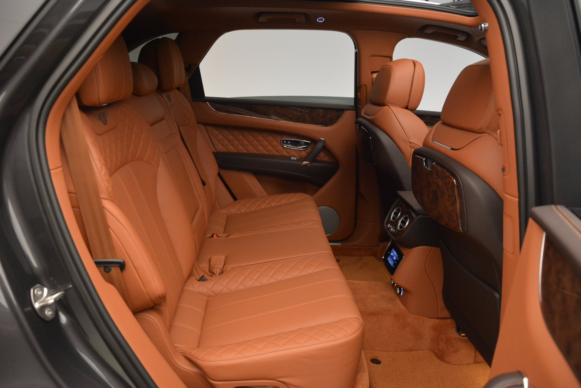 New 2017 Bentley Bentayga  For Sale In Greenwich, CT 852_p47