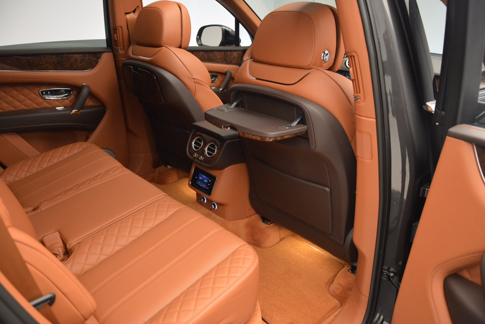 New 2017 Bentley Bentayga  For Sale In Greenwich, CT 852_p49