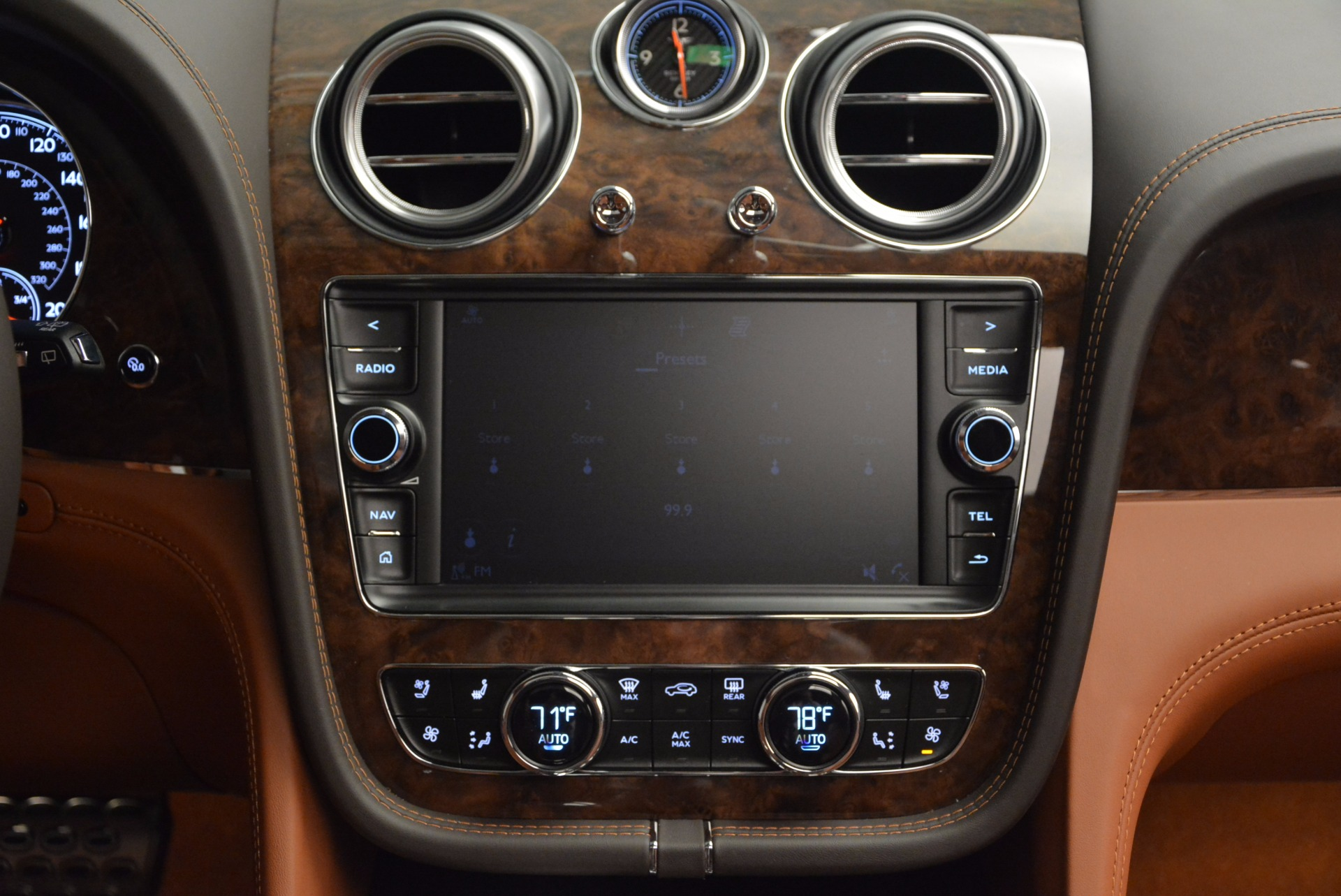 New 2017 Bentley Bentayga  For Sale In Greenwich, CT 852_p51