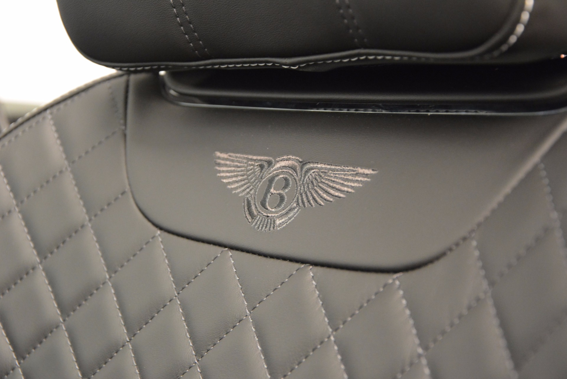 Used 2017 Bentley Bentayga  For Sale In Greenwich, CT 853_p28