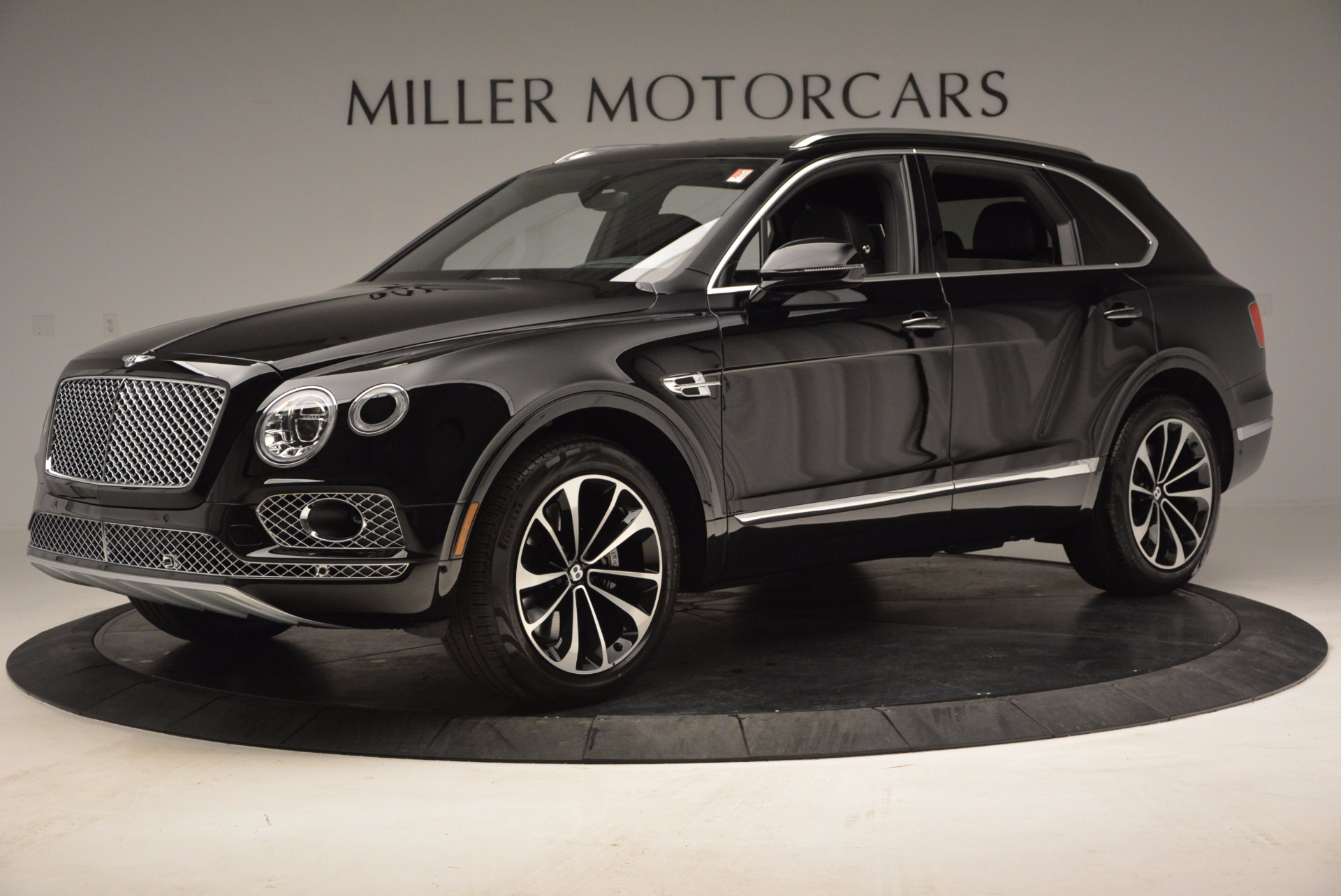 Used 2017 Bentley Bentayga  For Sale In Greenwich, CT 853_p2