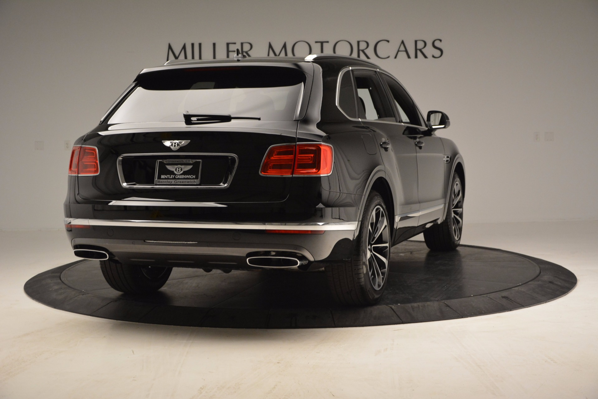 Used 2017 Bentley Bentayga  For Sale In Greenwich, CT 853_p7
