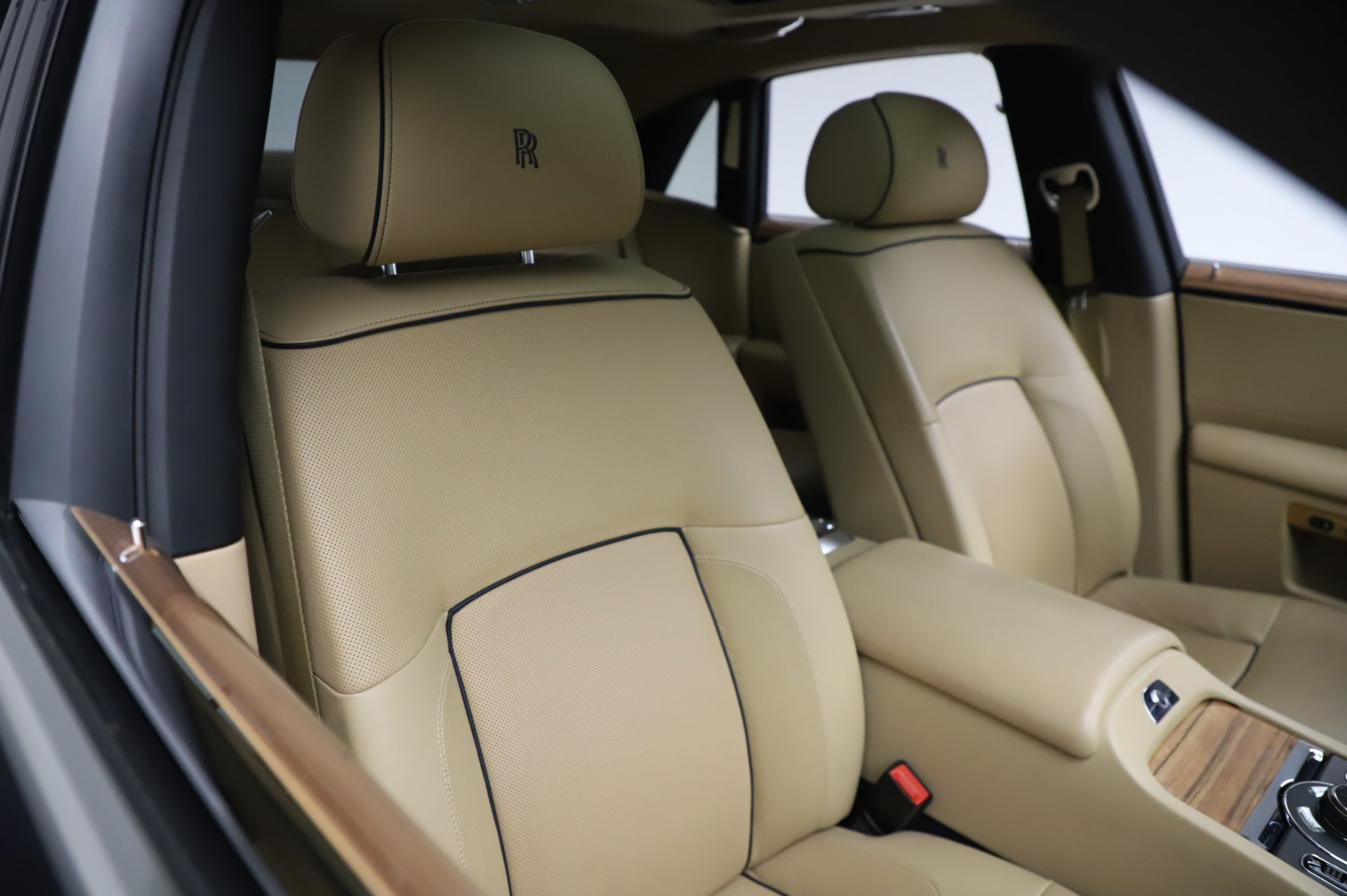 Used 2014 Rolls-Royce Ghost V-Spec For Sale In Greenwich, CT 858_p10