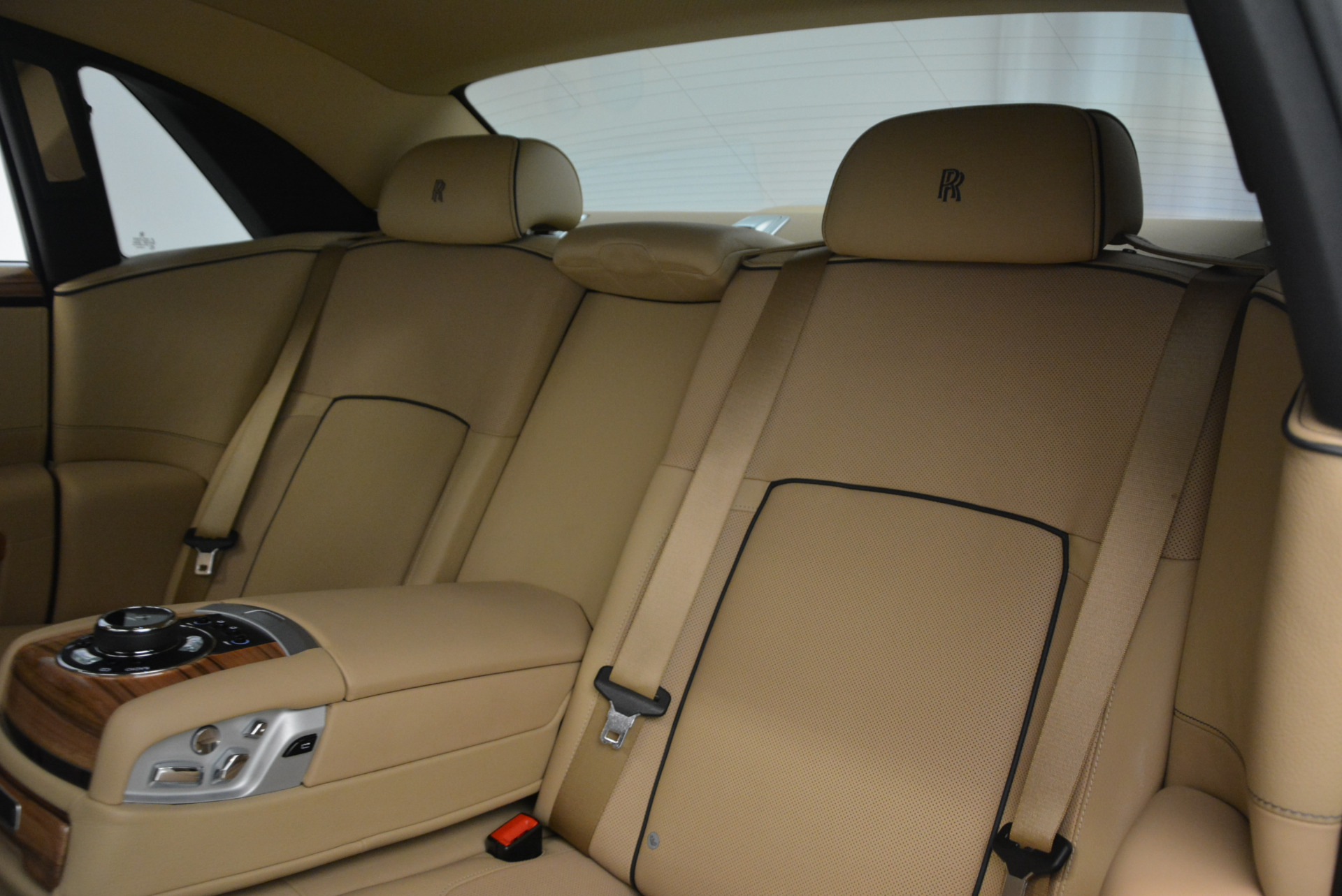 Used 2014 Rolls-Royce Ghost V-Spec For Sale In Greenwich, CT 858_p28