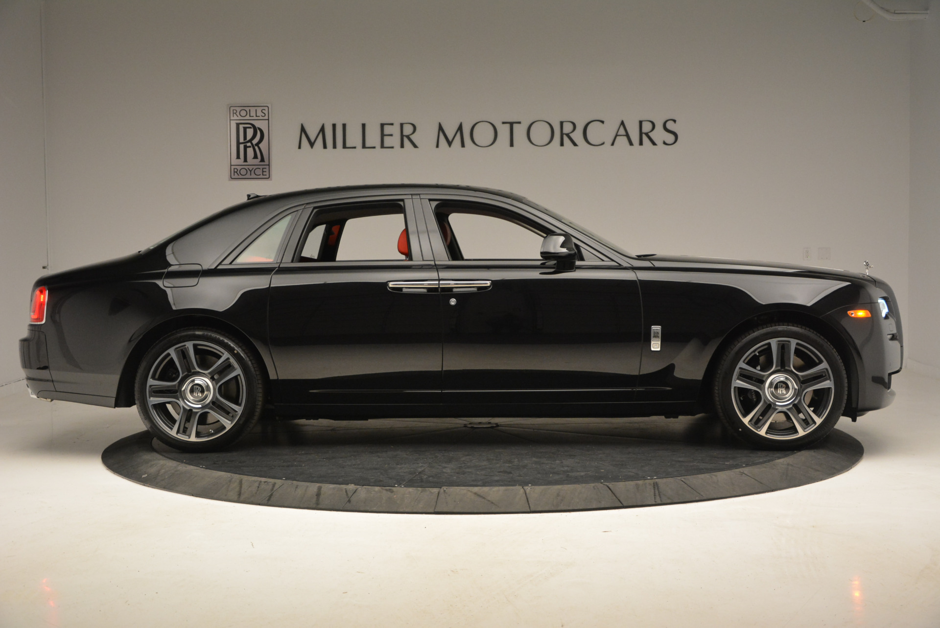 New 2017 Rolls-Royce Ghost  For Sale In Greenwich, CT 865_p10