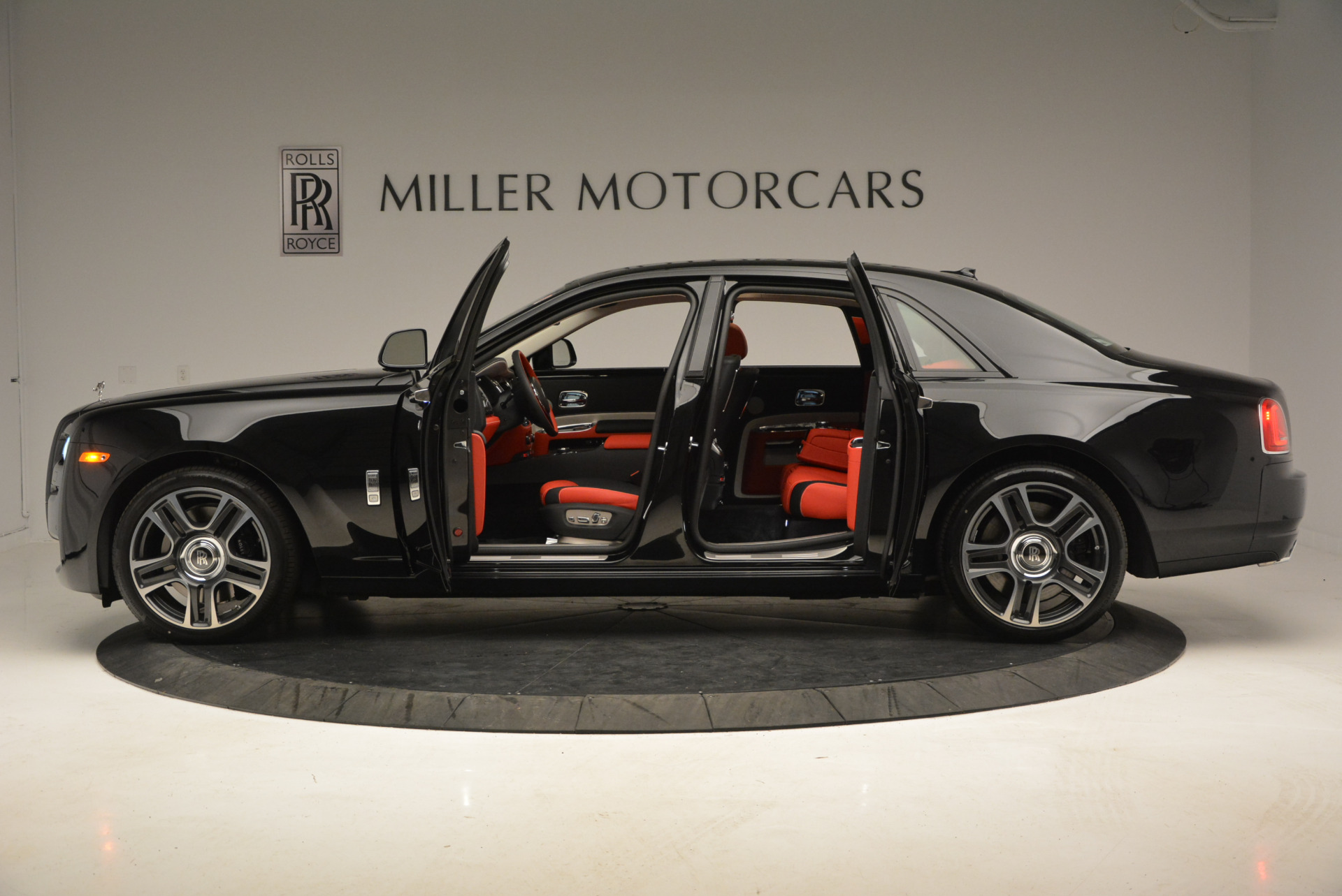 New 2017 Rolls-Royce Ghost  For Sale In Greenwich, CT 865_p15