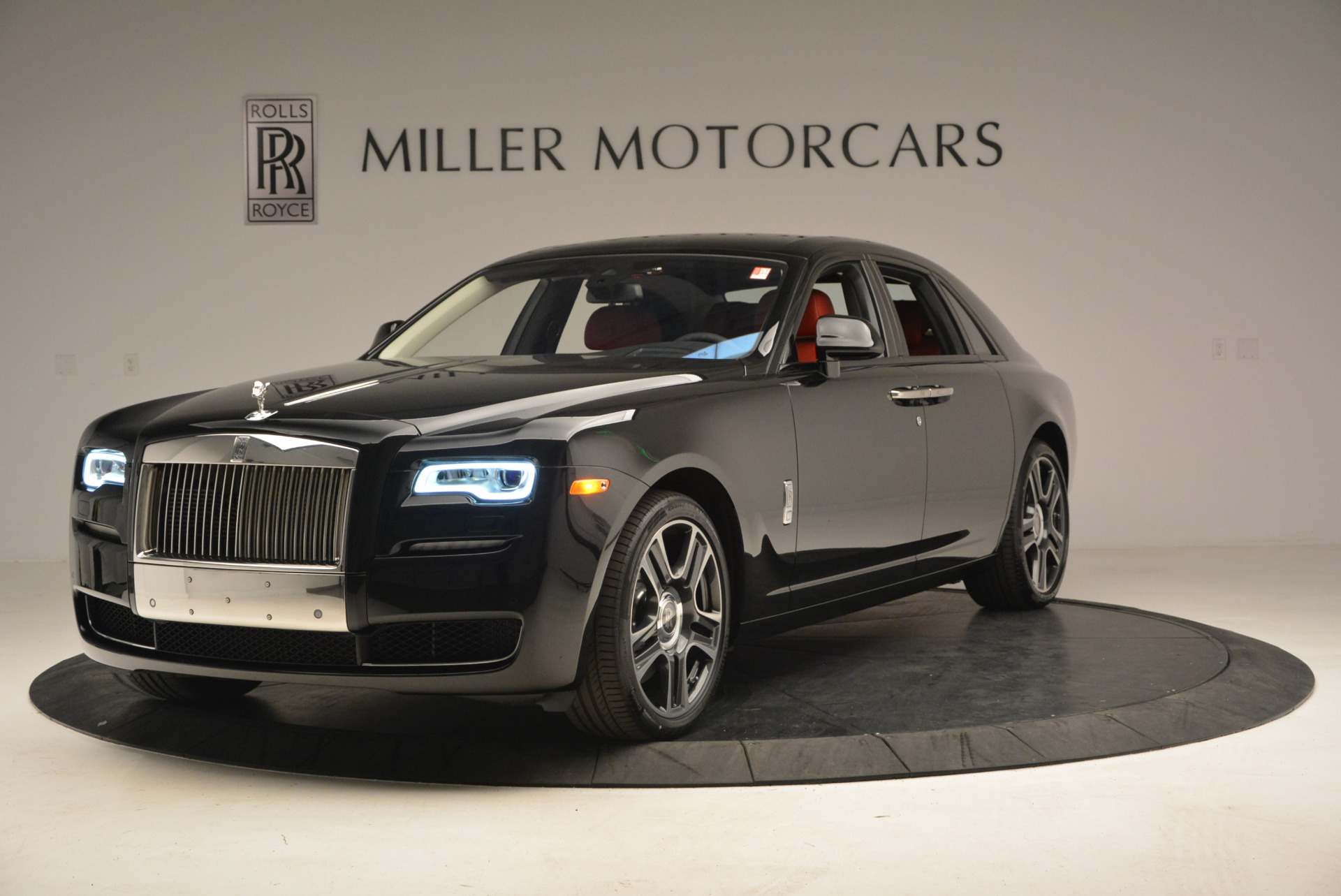 New 2017 Rolls-Royce Ghost  For Sale In Greenwich, CT 865_p2