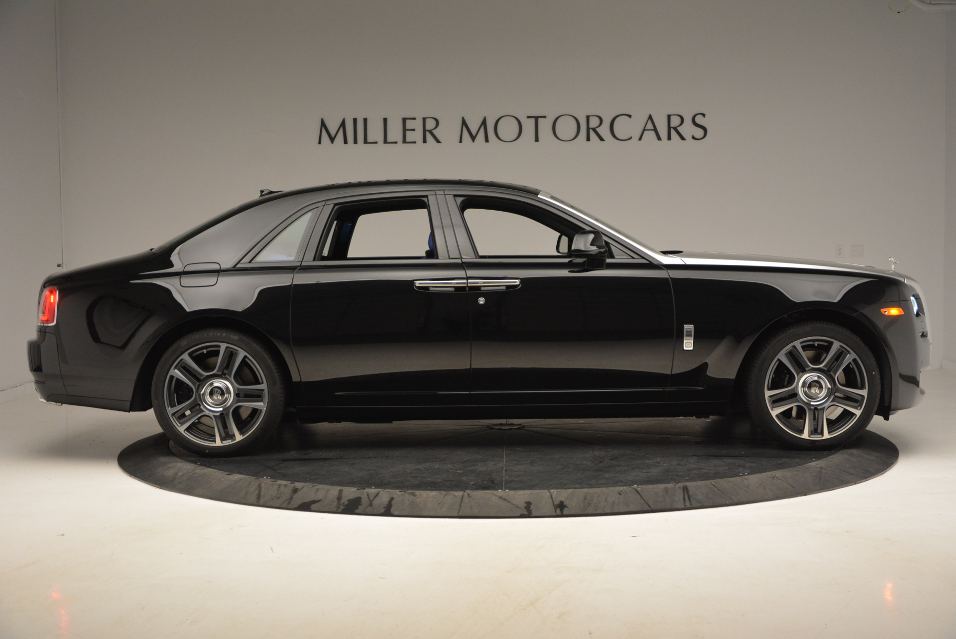 New 2017 Rolls-Royce Ghost  For Sale In Greenwich, CT 866_p10