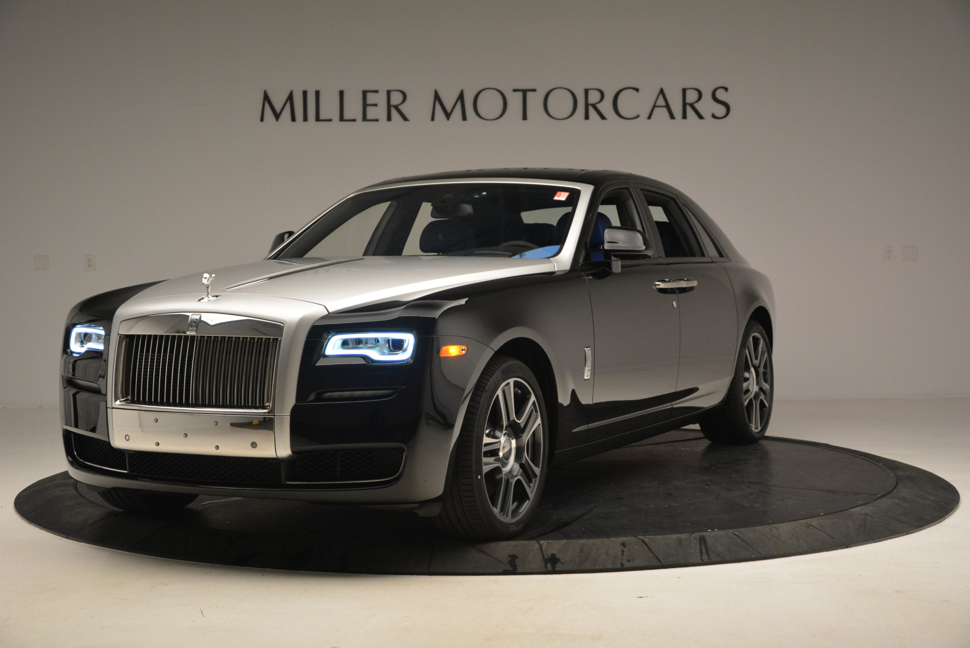 New 2017 Rolls-Royce Ghost  For Sale In Greenwich, CT 866_p2