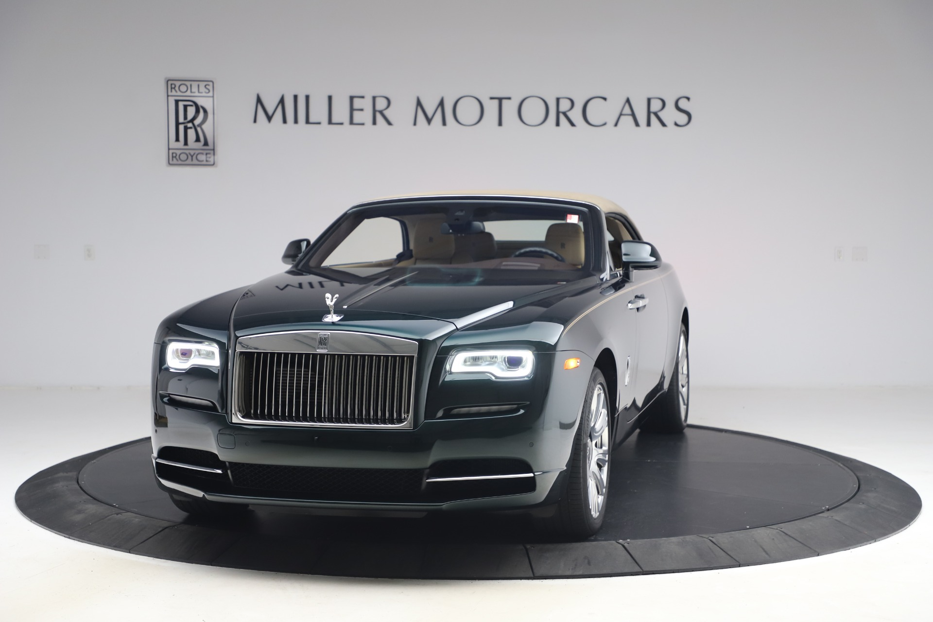 New 2017 Rolls-Royce Dawn  For Sale In Greenwich, CT 868_p14
