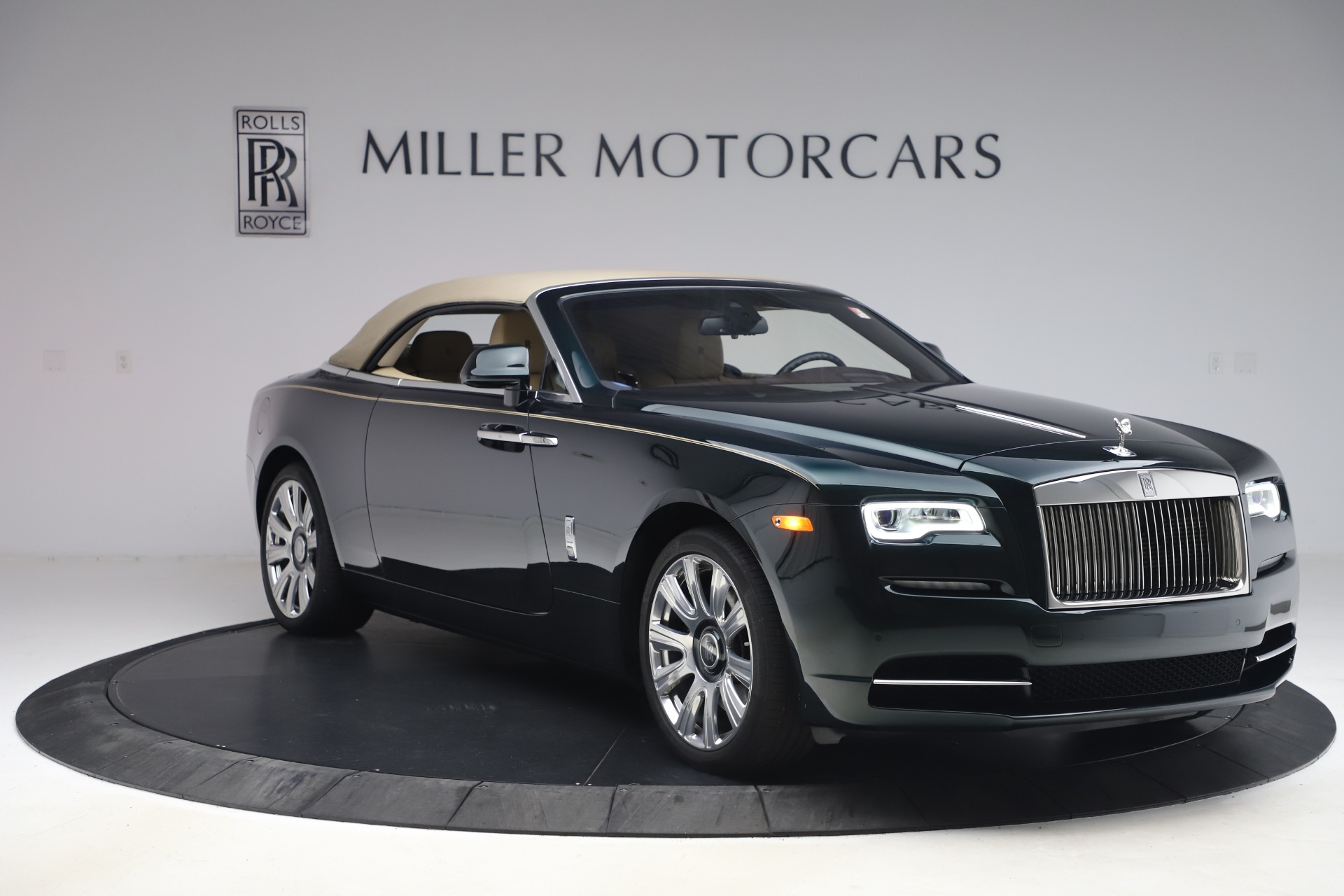 New 2017 Rolls-Royce Dawn  For Sale In Greenwich, CT 868_p26