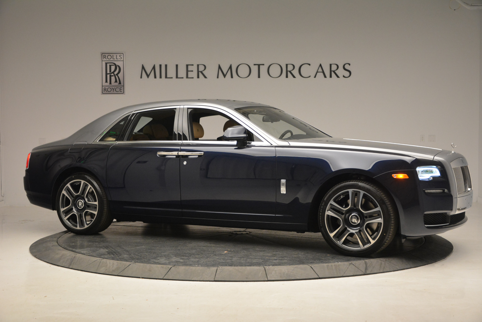 New 2017 Rolls-Royce Ghost  For Sale In Greenwich, CT 869_p10
