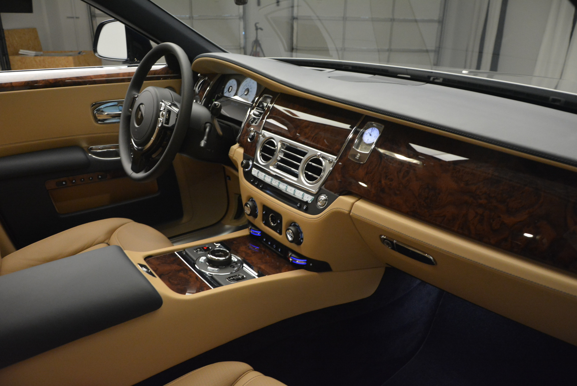 New 2017 Rolls-Royce Ghost  For Sale In Greenwich, CT 869_p31