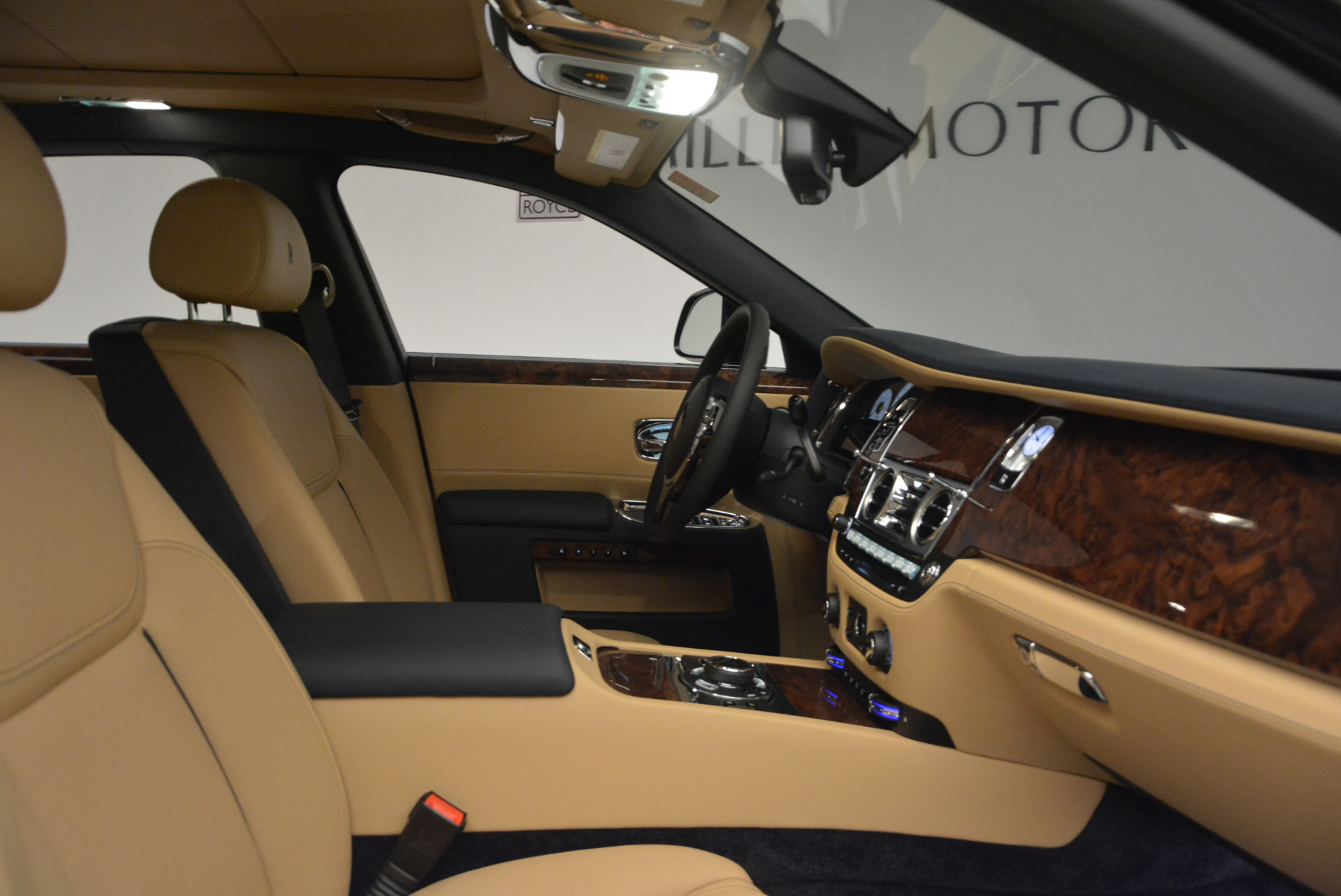 New 2017 Rolls-Royce Ghost  For Sale In Greenwich, CT 869_p34