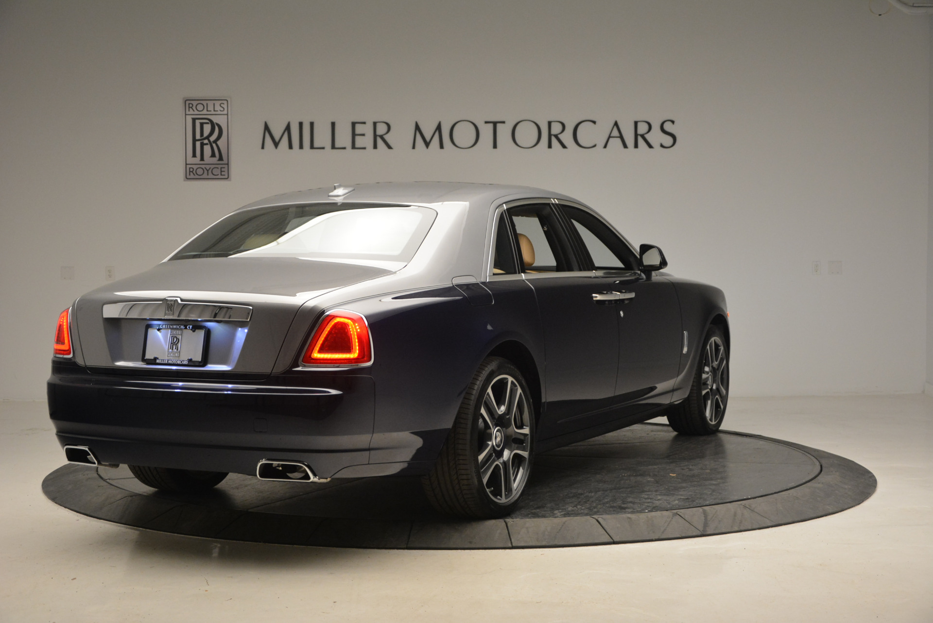 New 2017 Rolls-Royce Ghost  For Sale In Greenwich, CT 869_p7