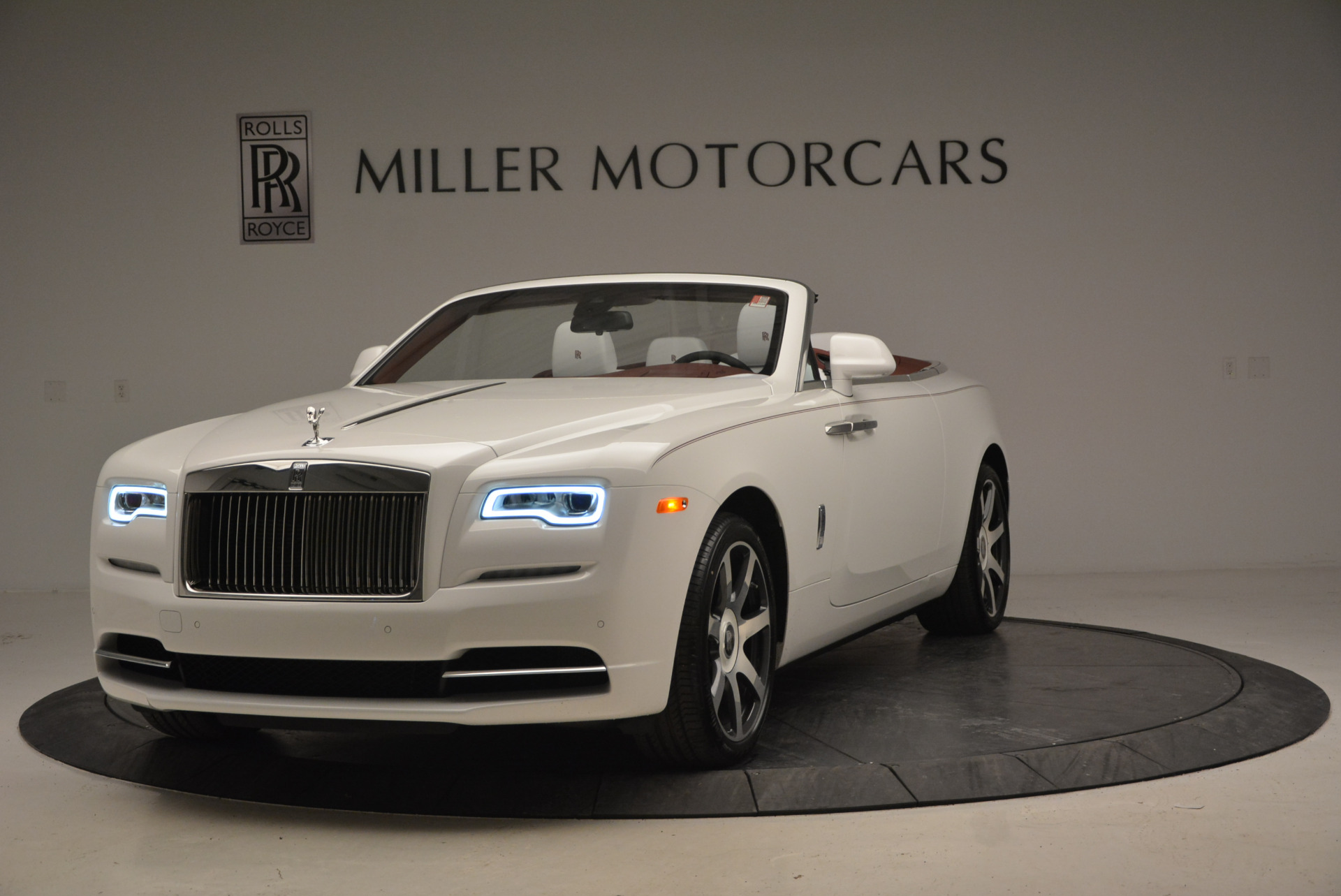 New 2017 Rolls-Royce Dawn  For Sale In Greenwich, CT 870_main