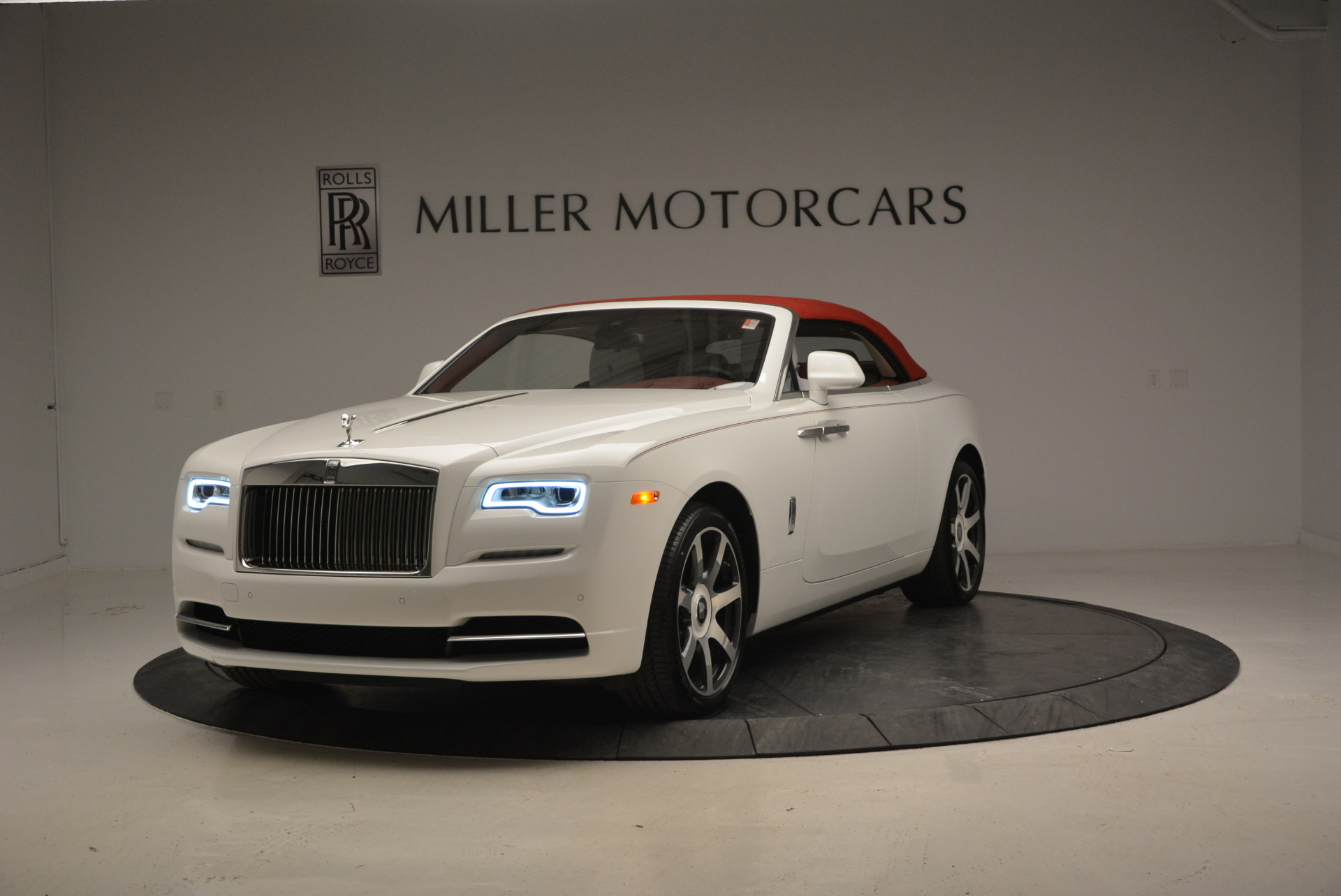 New 2017 Rolls-Royce Dawn  For Sale In Greenwich, CT 870_p38