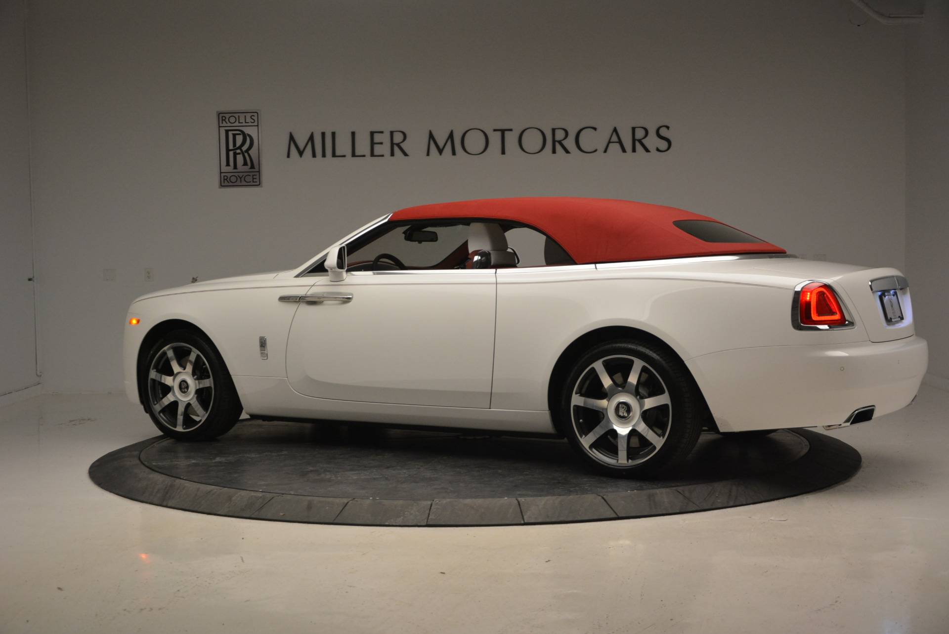 New 2017 Rolls-Royce Dawn  For Sale In Greenwich, CT 870_p41