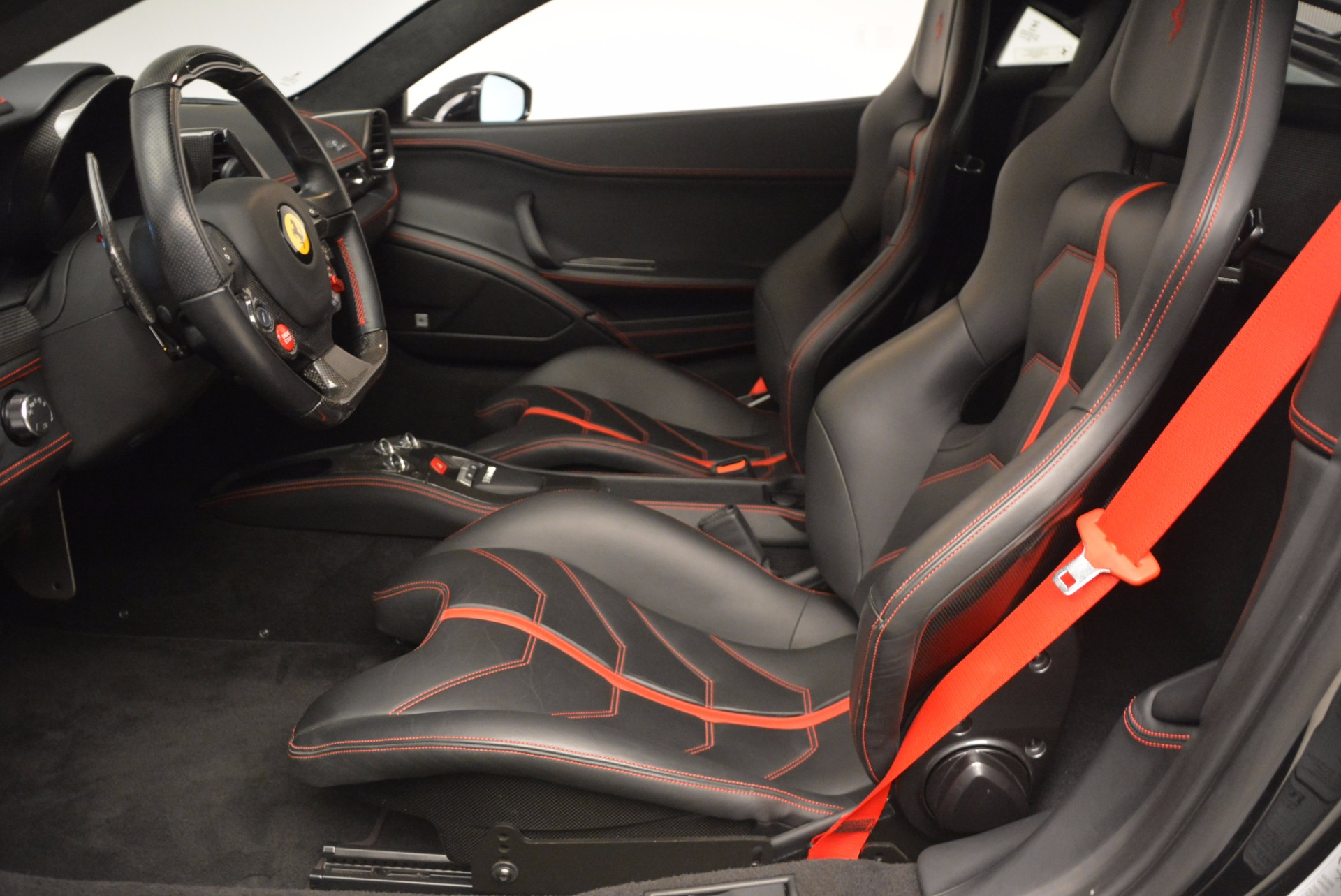 Used 2013 Ferrari 458 Italia  For Sale In Greenwich, CT 889_p14