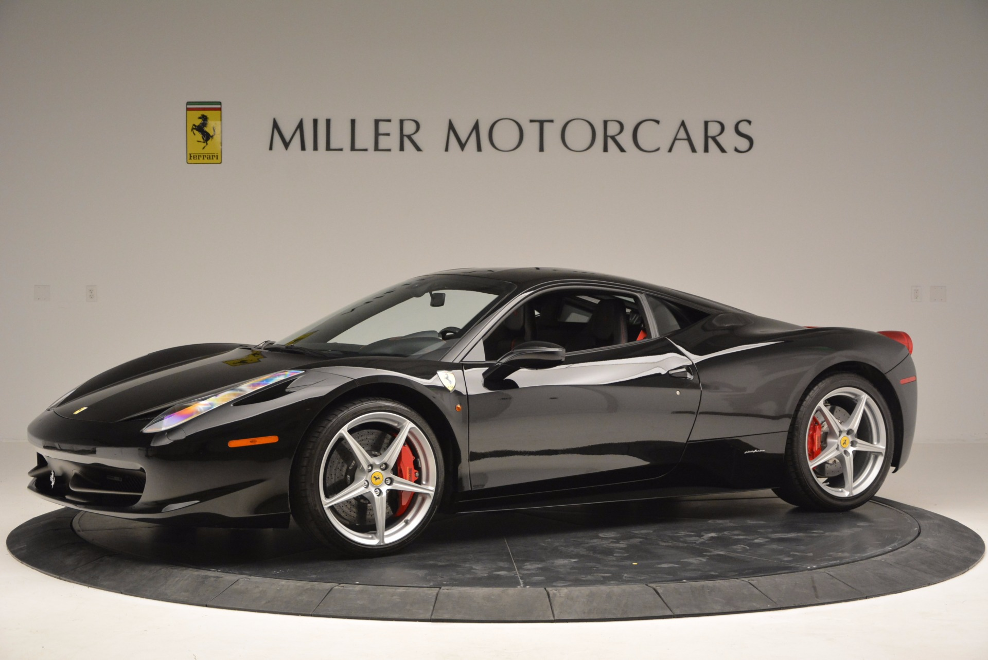 Used 2013 Ferrari 458 Italia  For Sale In Greenwich, CT 889_p2