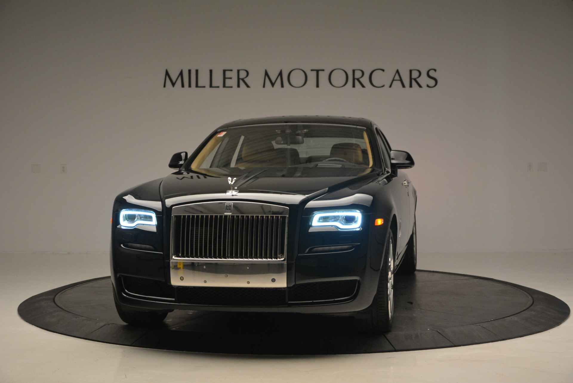 Used 2016 Rolls-Royce Ghost  For Sale In Greenwich, CT 898_main