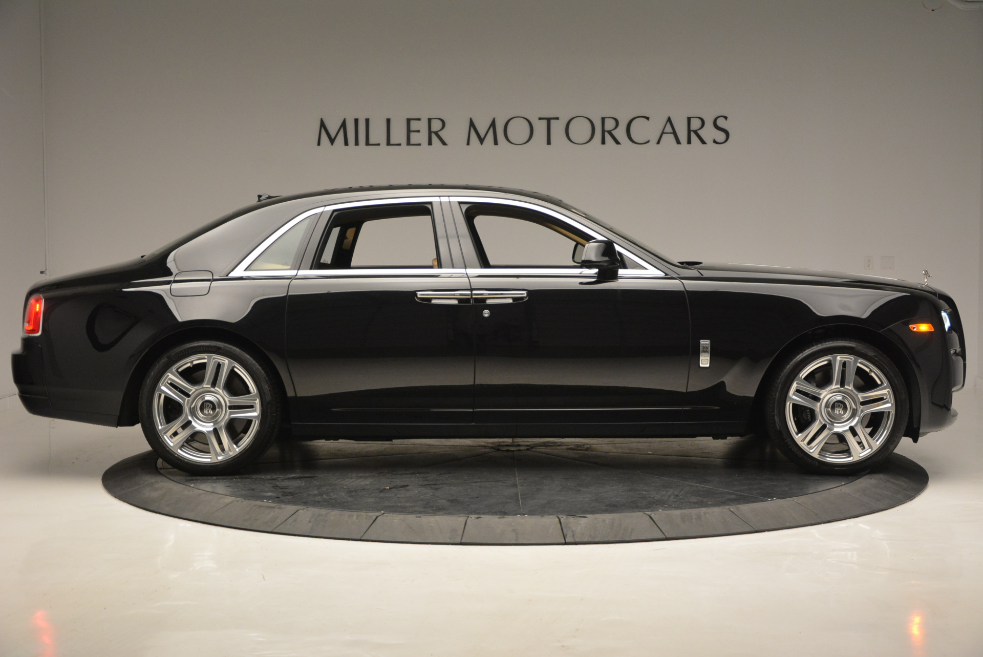 Used 2016 Rolls-Royce Ghost  For Sale In Greenwich, CT 898_p10