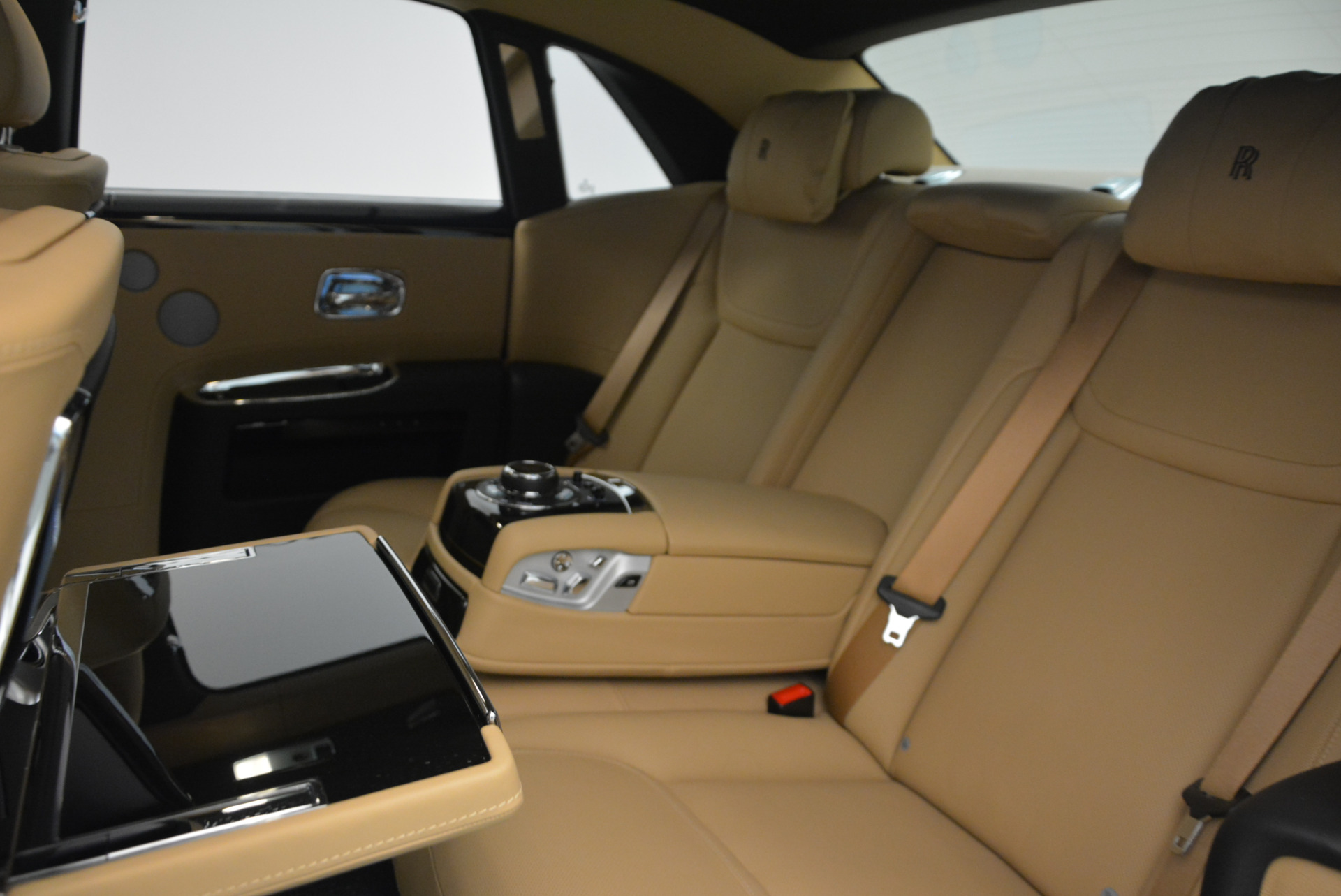 Used 2016 Rolls-Royce Ghost  For Sale In Greenwich, CT 898_p29