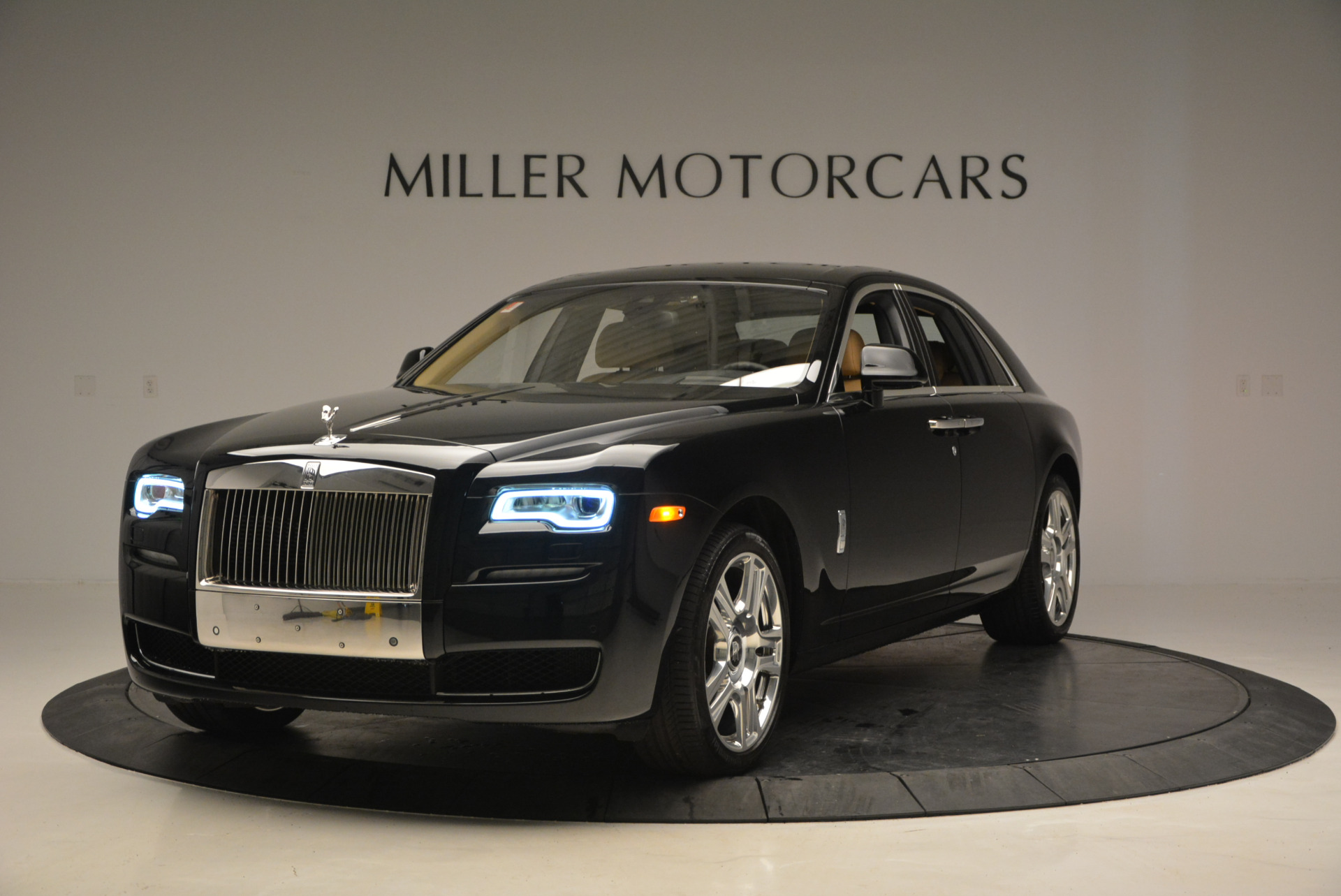 Used 2016 Rolls-Royce Ghost  For Sale In Greenwich, CT 898_p2