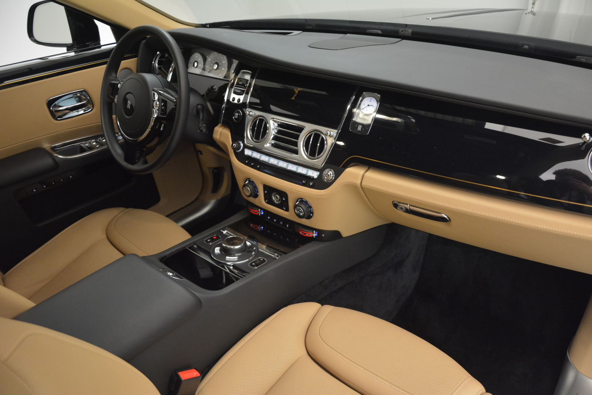 Used 2016 Rolls-Royce Ghost  For Sale In Greenwich, CT 898_p36