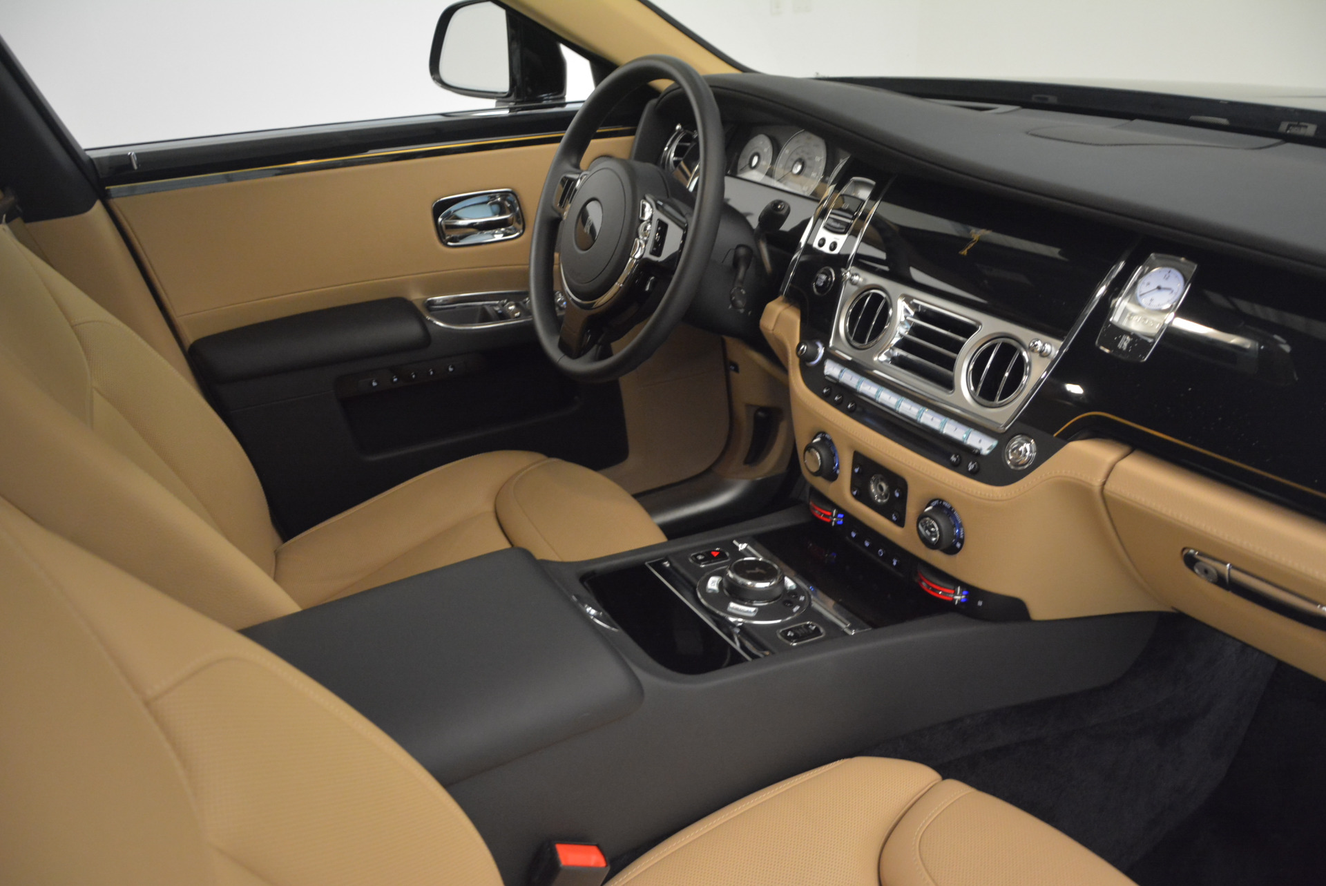 Used 2016 Rolls-Royce Ghost  For Sale In Greenwich, CT 898_p37