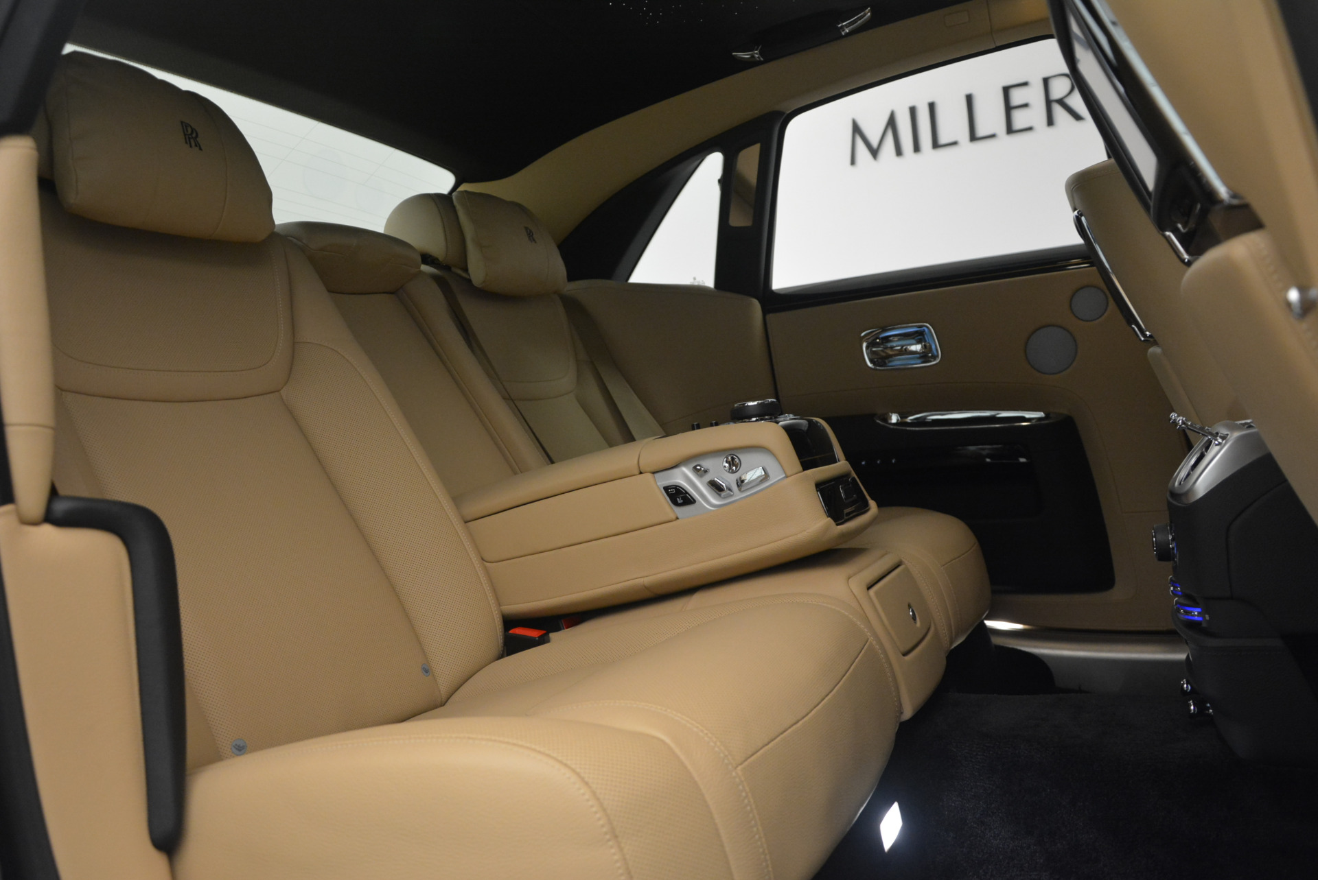 Used 2016 Rolls-Royce Ghost  For Sale In Greenwich, CT 898_p39