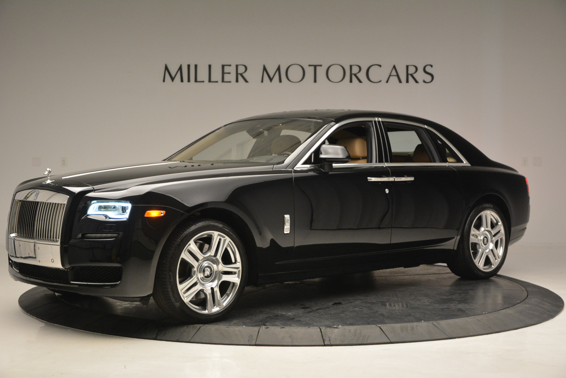 Used 2016 Rolls-Royce Ghost  For Sale In Greenwich, CT 898_p3