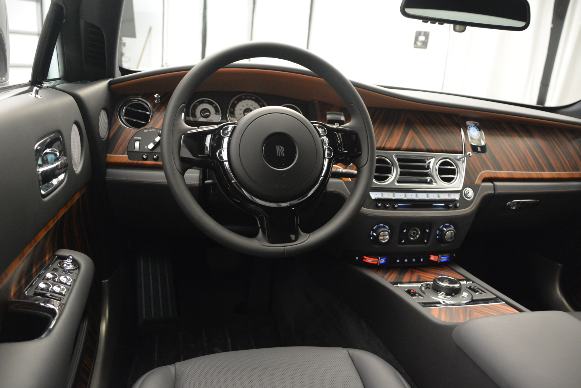 Used 2015 Rolls-Royce Wraith  For Sale In Greenwich, CT 906_p21