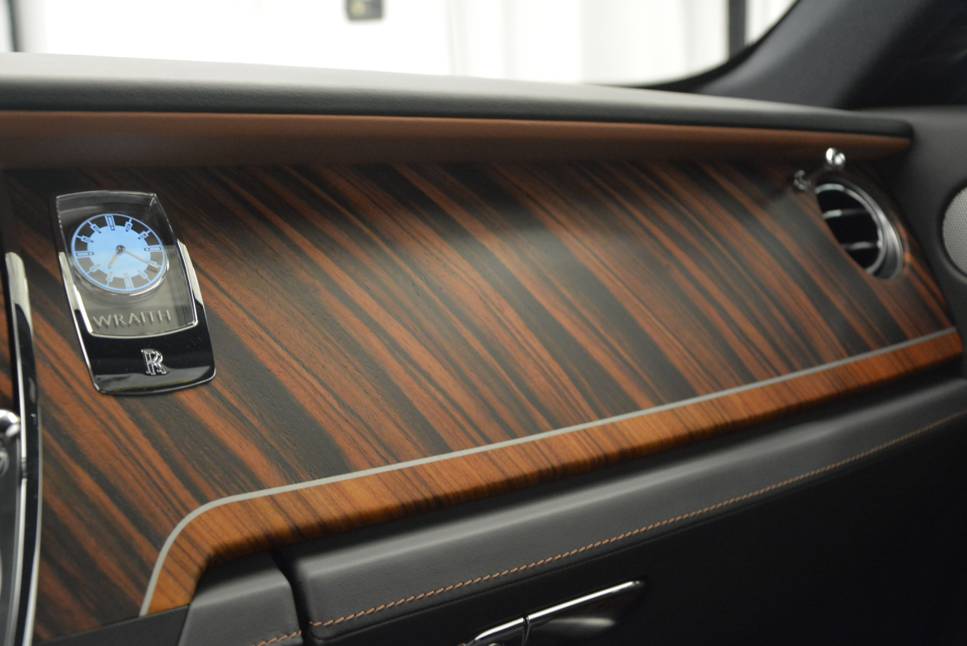 Used 2015 Rolls-Royce Wraith  For Sale In Greenwich, CT 906_p23