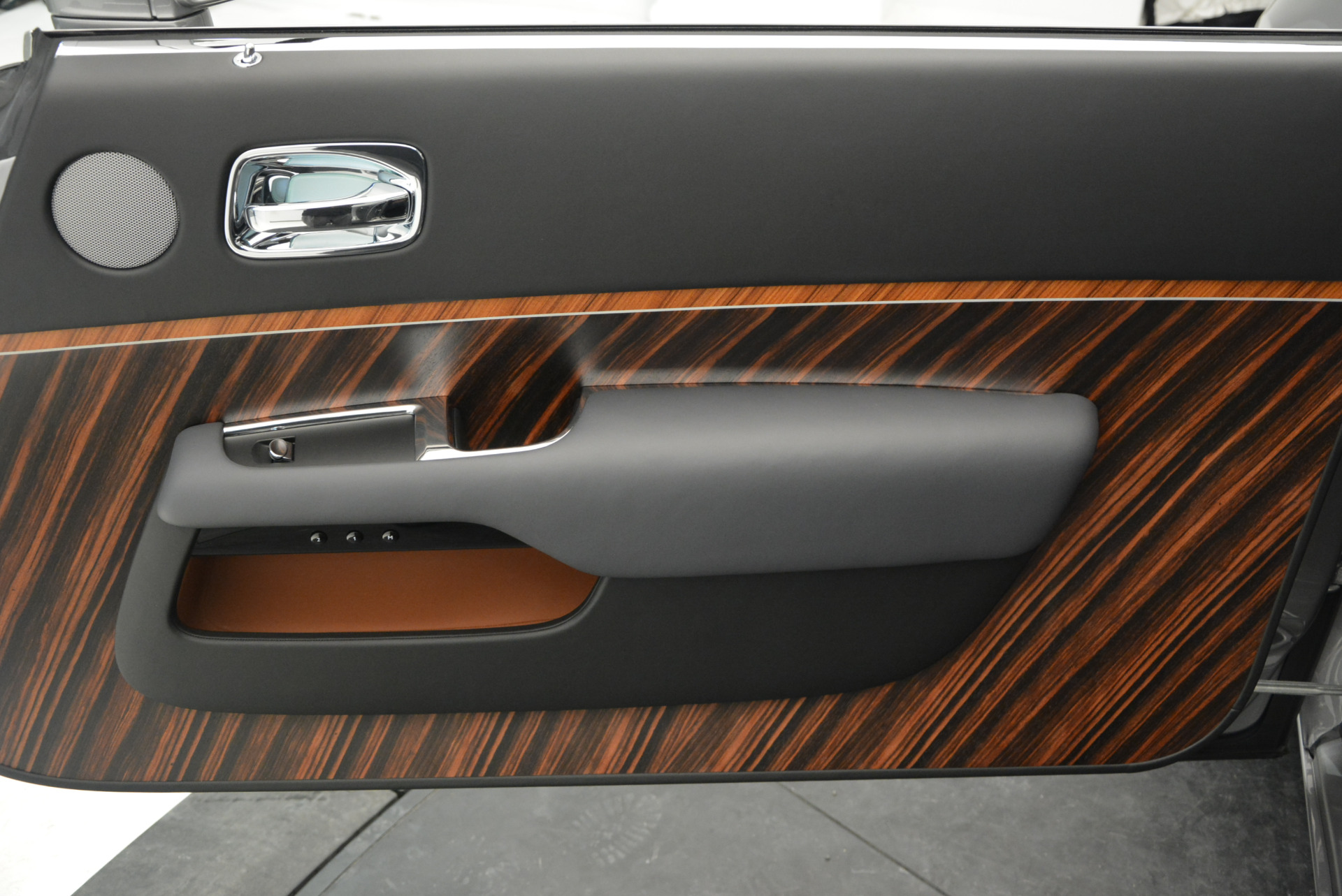 Used 2015 Rolls-Royce Wraith  For Sale In Greenwich, CT 906_p25