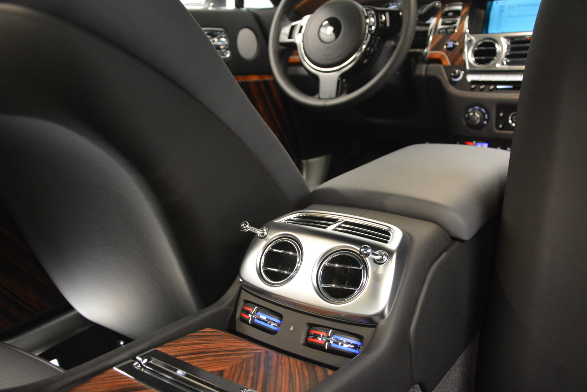 Used 2015 Rolls-Royce Wraith  For Sale In Greenwich, CT 906_p32