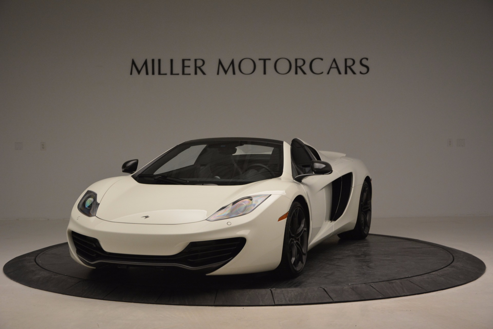 Used 2014 McLaren MP4-12C Spider For Sale In Greenwich, CT 908_main