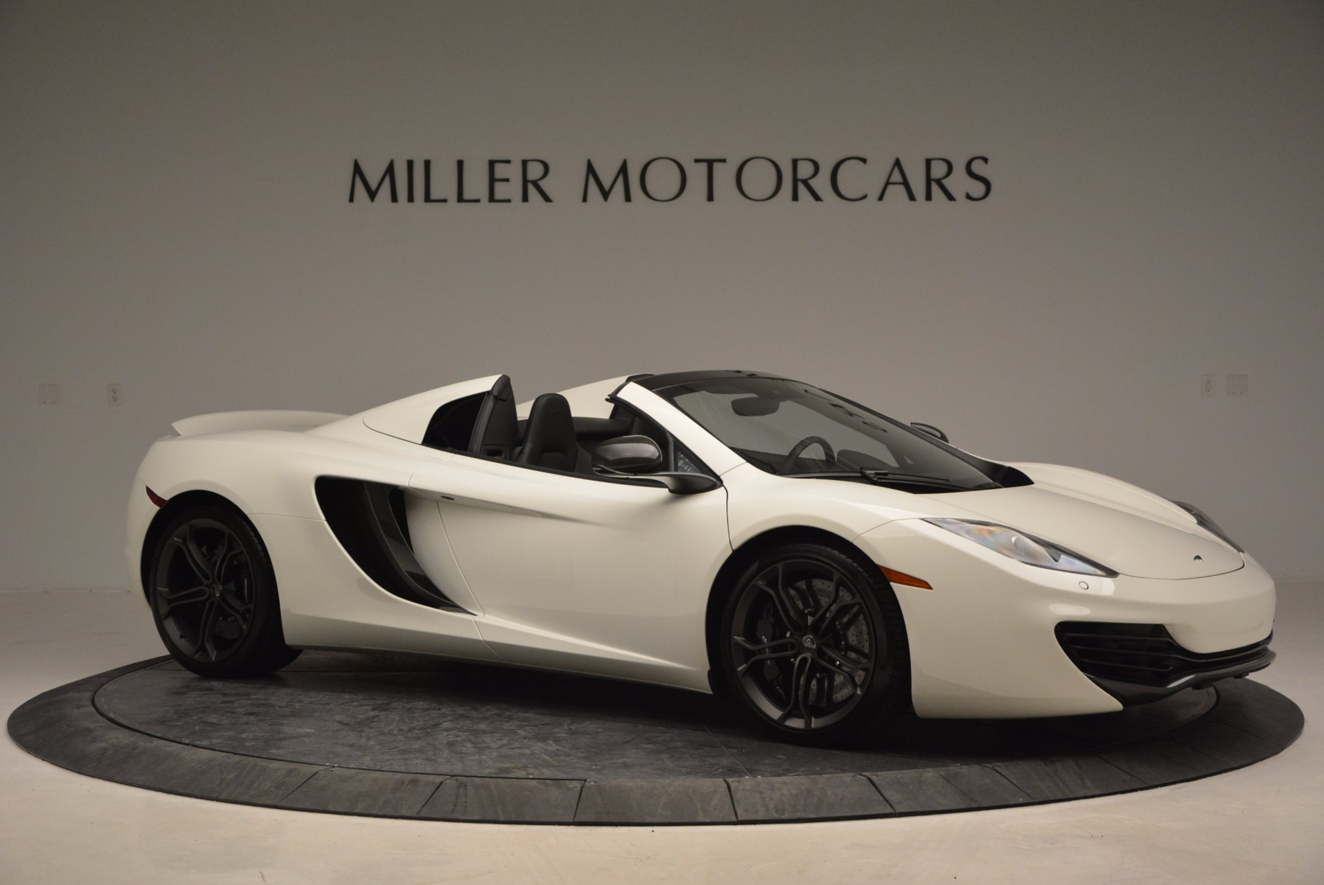 Used 2014 McLaren MP4-12C Spider For Sale In Greenwich, CT 908_p10