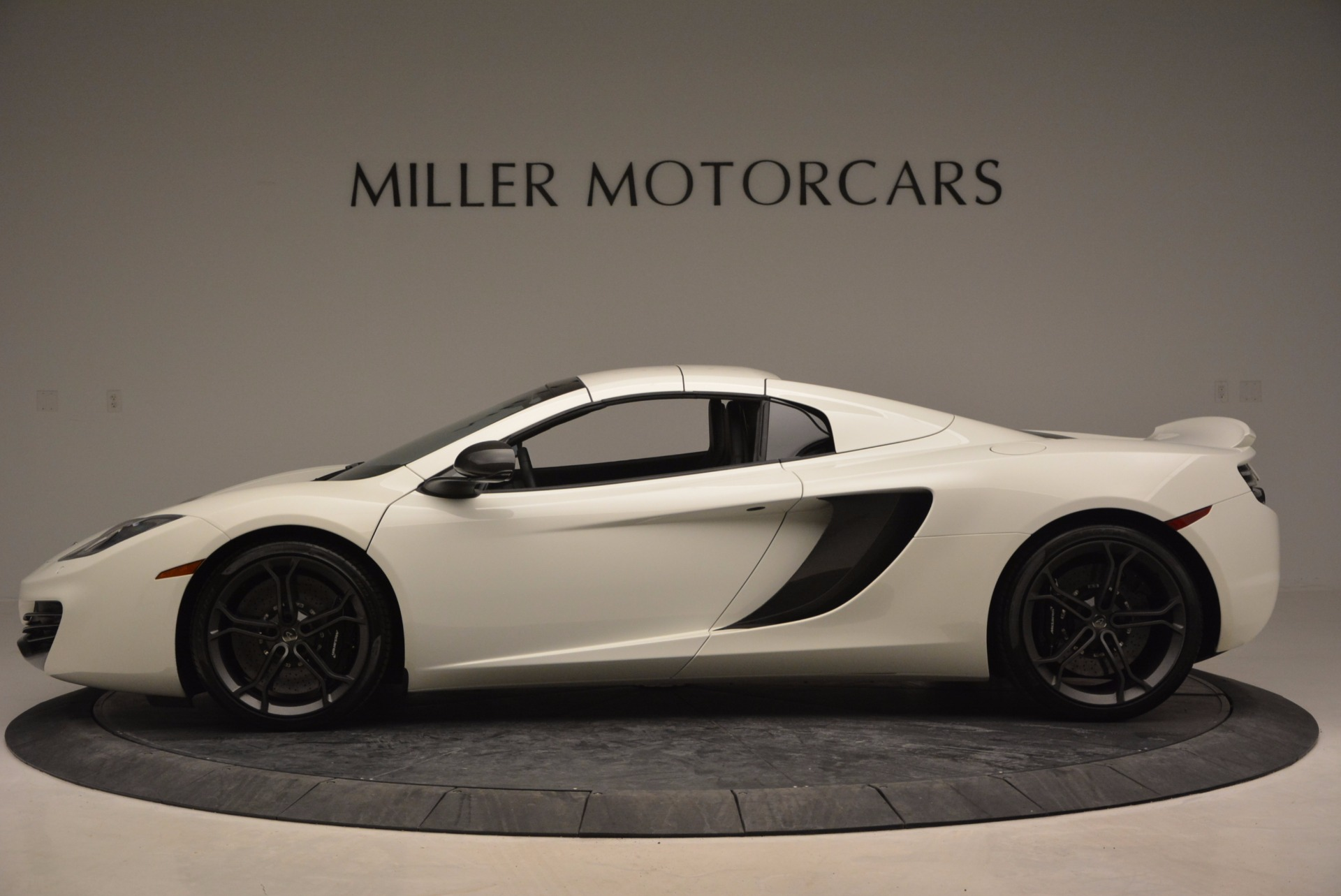 Used 2014 McLaren MP4-12C Spider For Sale In Greenwich, CT 908_p15