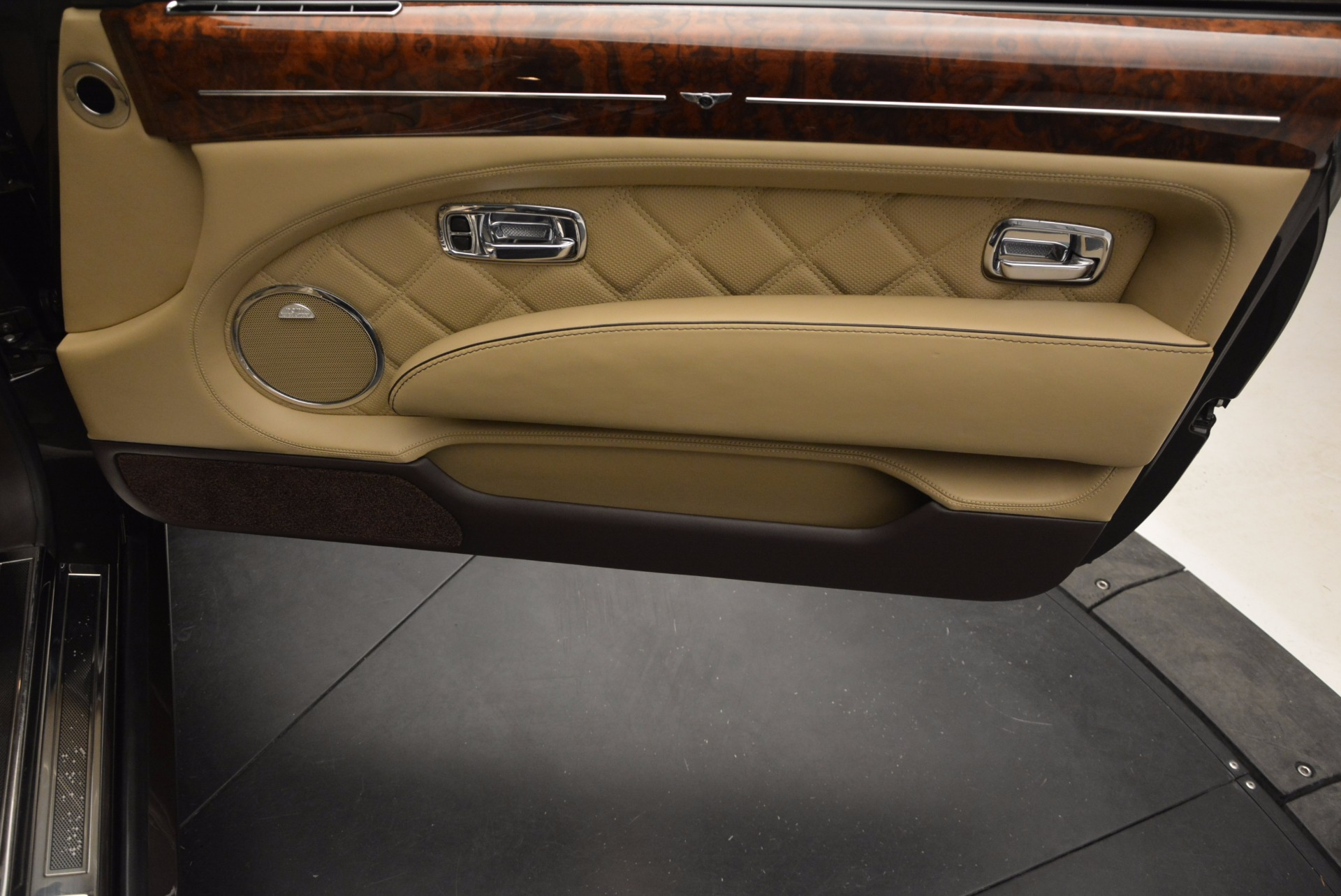 Used 2009 Bentley Brooklands  For Sale In Greenwich, CT 925_p30