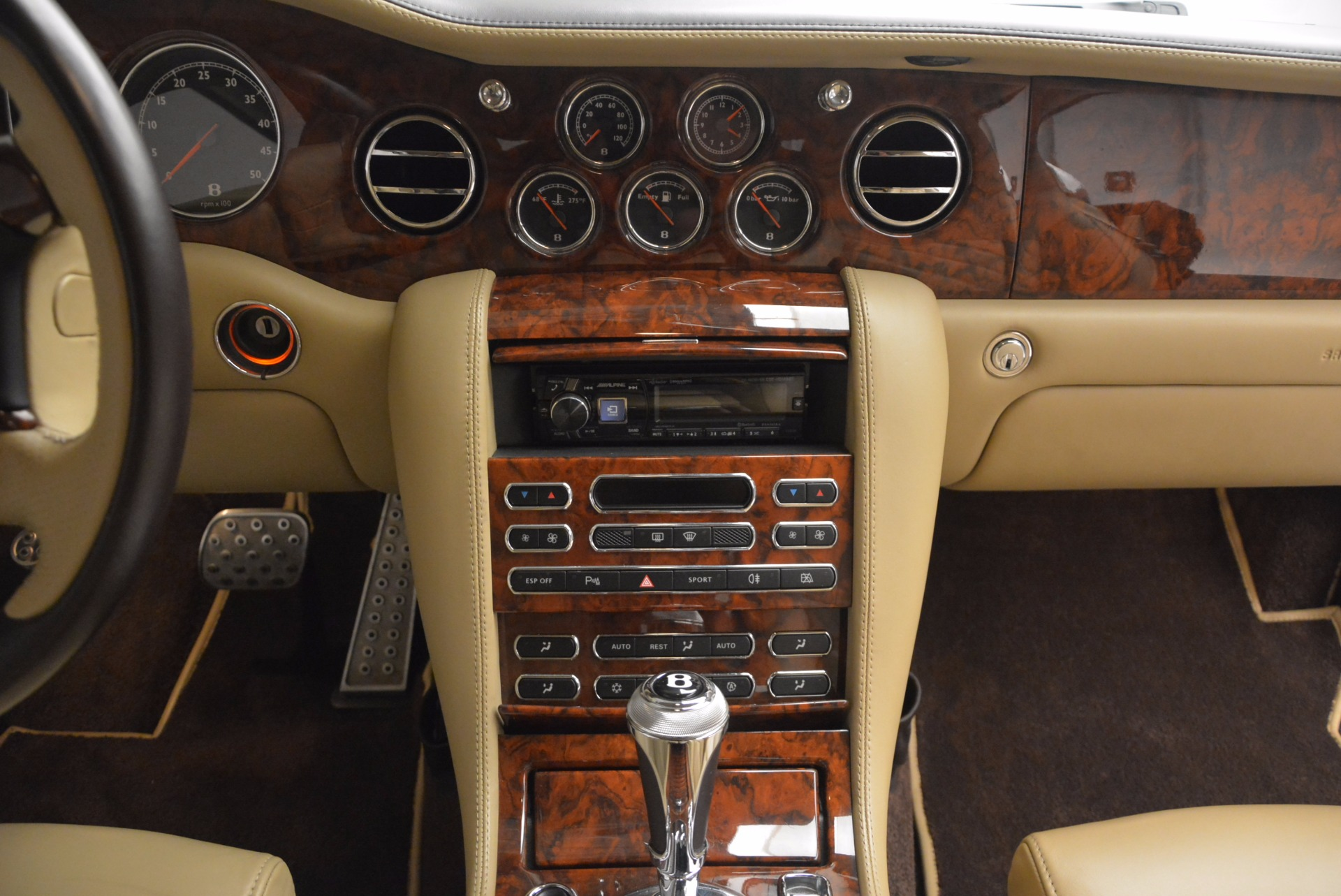 Used 2009 Bentley Brooklands  For Sale In Greenwich, CT 925_p40