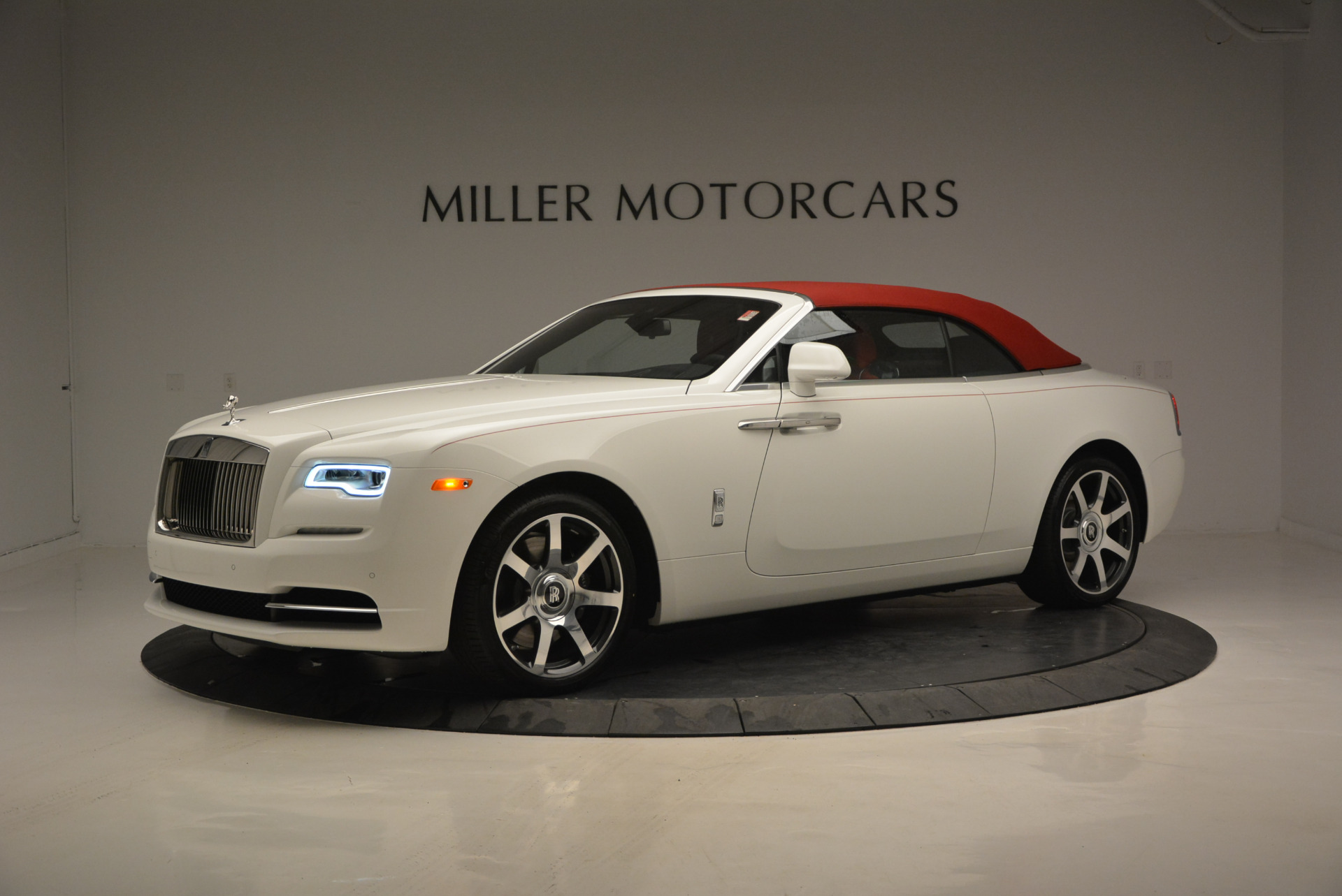 New 2017 Rolls-Royce Dawn  For Sale In Greenwich, CT 927_p15