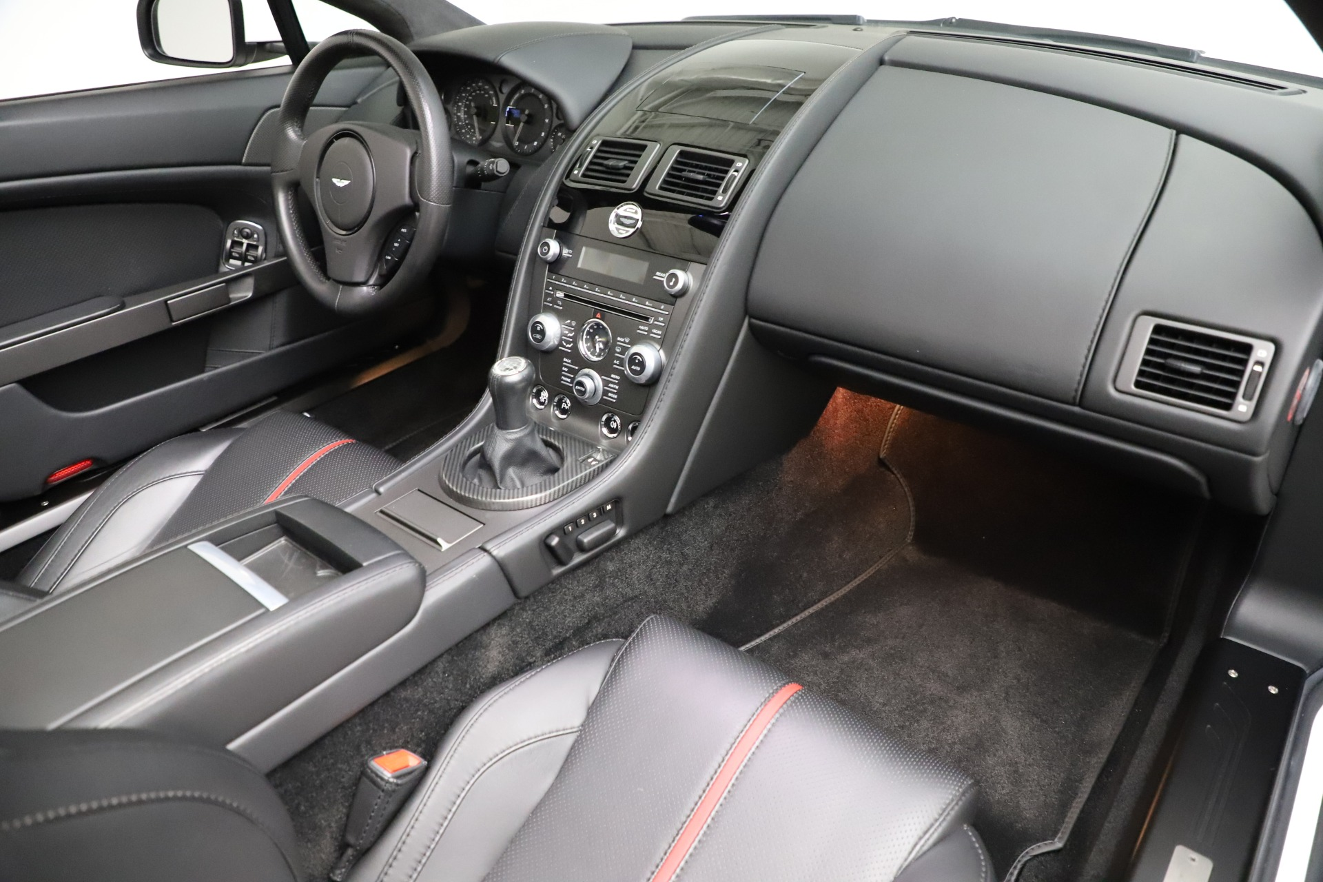 New 2015 Aston Martin Vantage GT GT Roadster For Sale In Greenwich, CT 93_p22