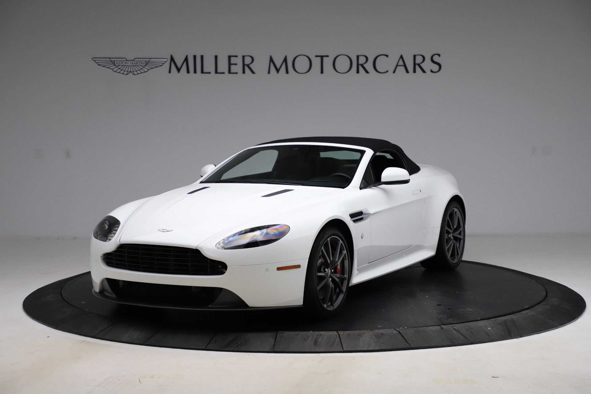 New 2015 Aston Martin Vantage GT GT Roadster For Sale In Greenwich, CT 93_p25