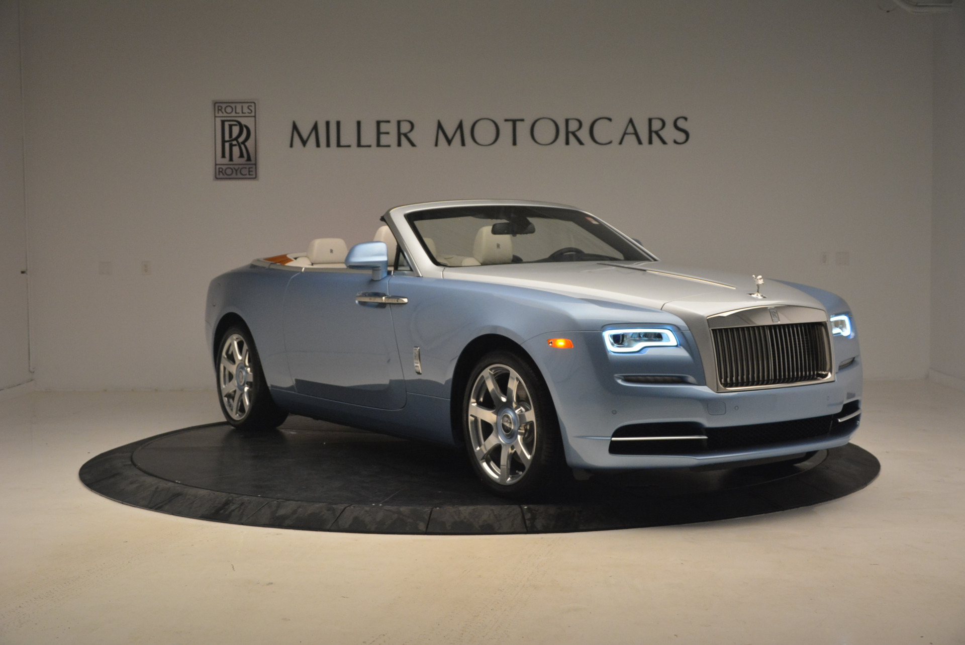 New 2017 Rolls-Royce Dawn  For Sale In Greenwich, CT 937_p11