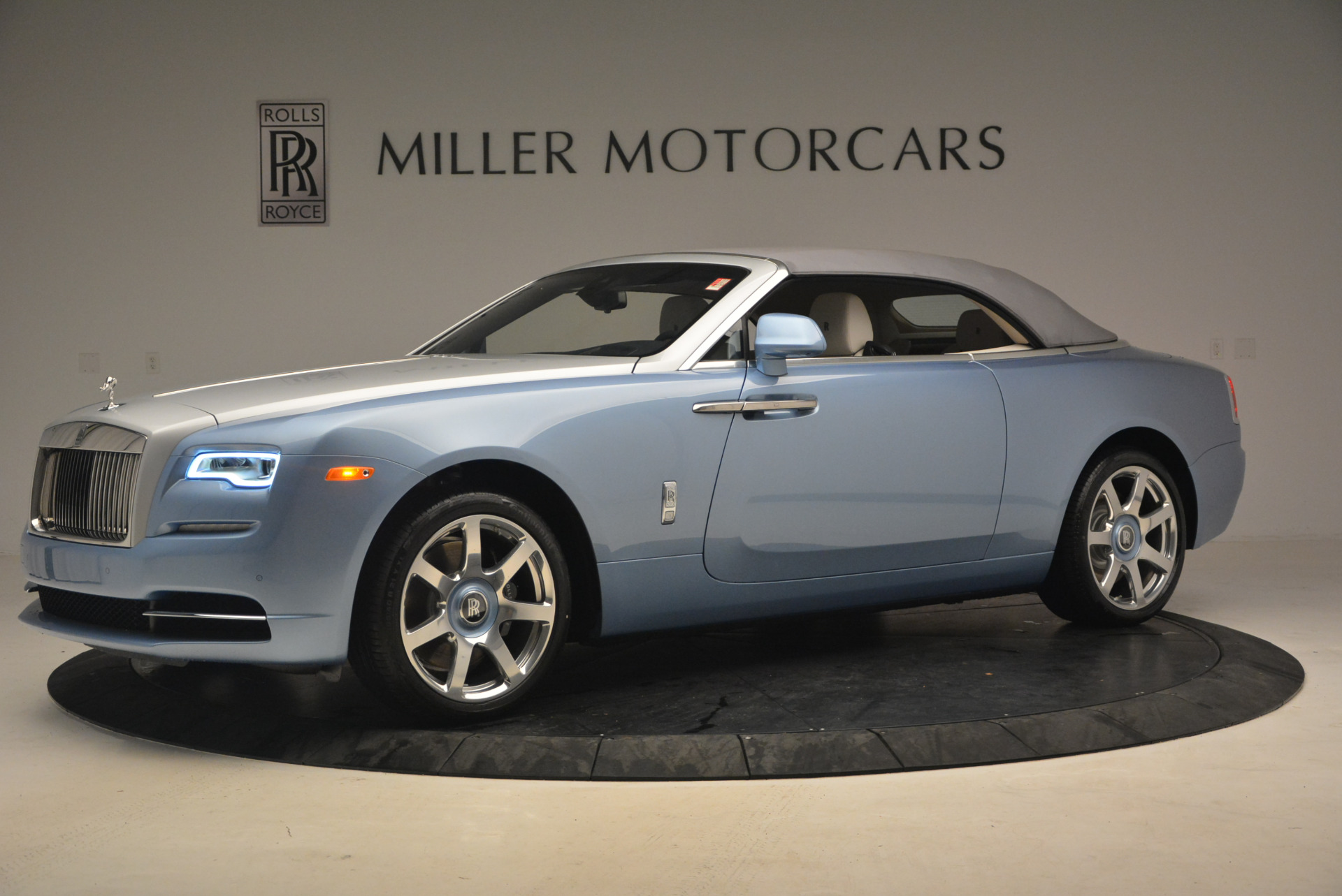 New 2017 Rolls-Royce Dawn  For Sale In Greenwich, CT 937_p14