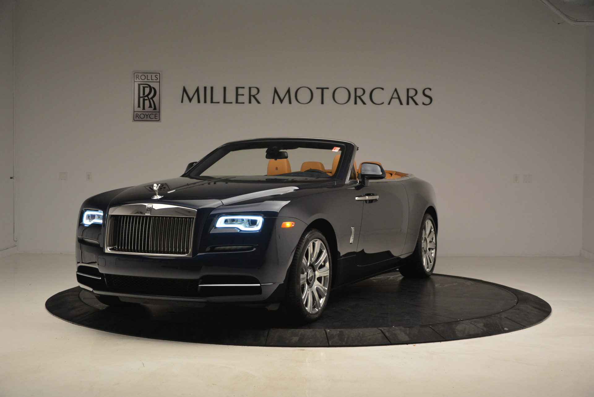 New 2017 Rolls-Royce Dawn  For Sale In Greenwich, CT 939_main