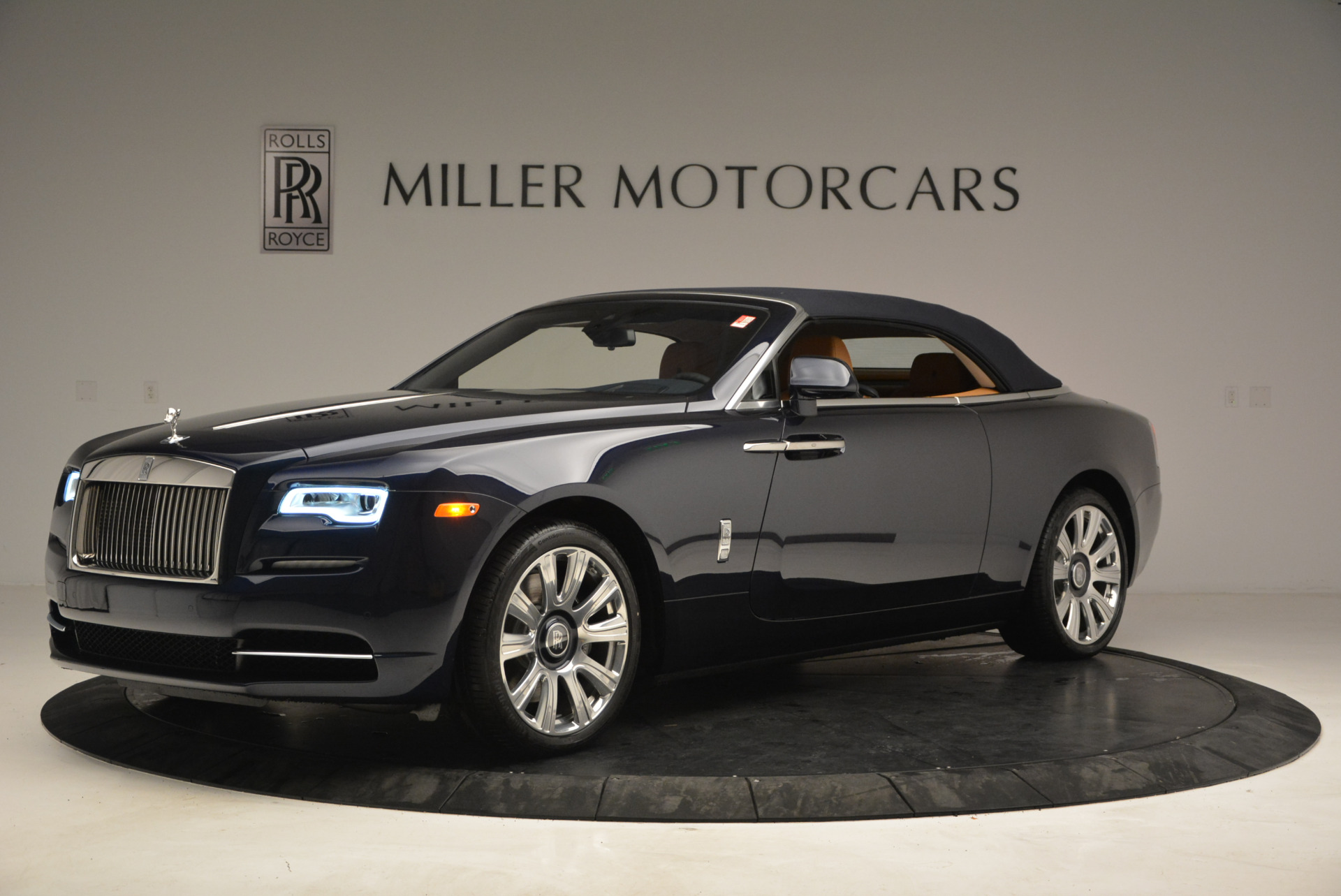 New 2017 Rolls-Royce Dawn  For Sale In Greenwich, CT 939_p14