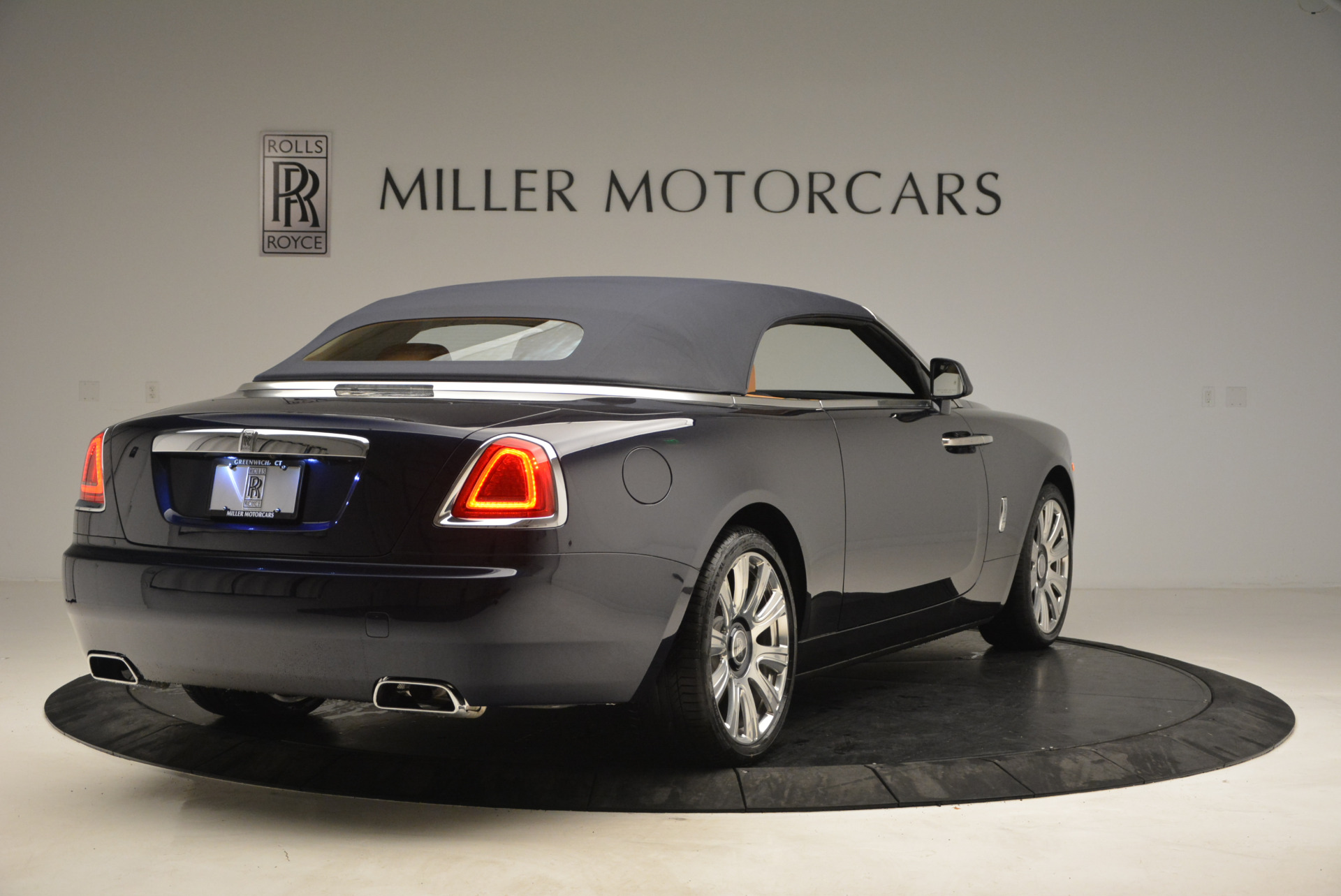 New 2017 Rolls-Royce Dawn  For Sale In Greenwich, CT 939_p19